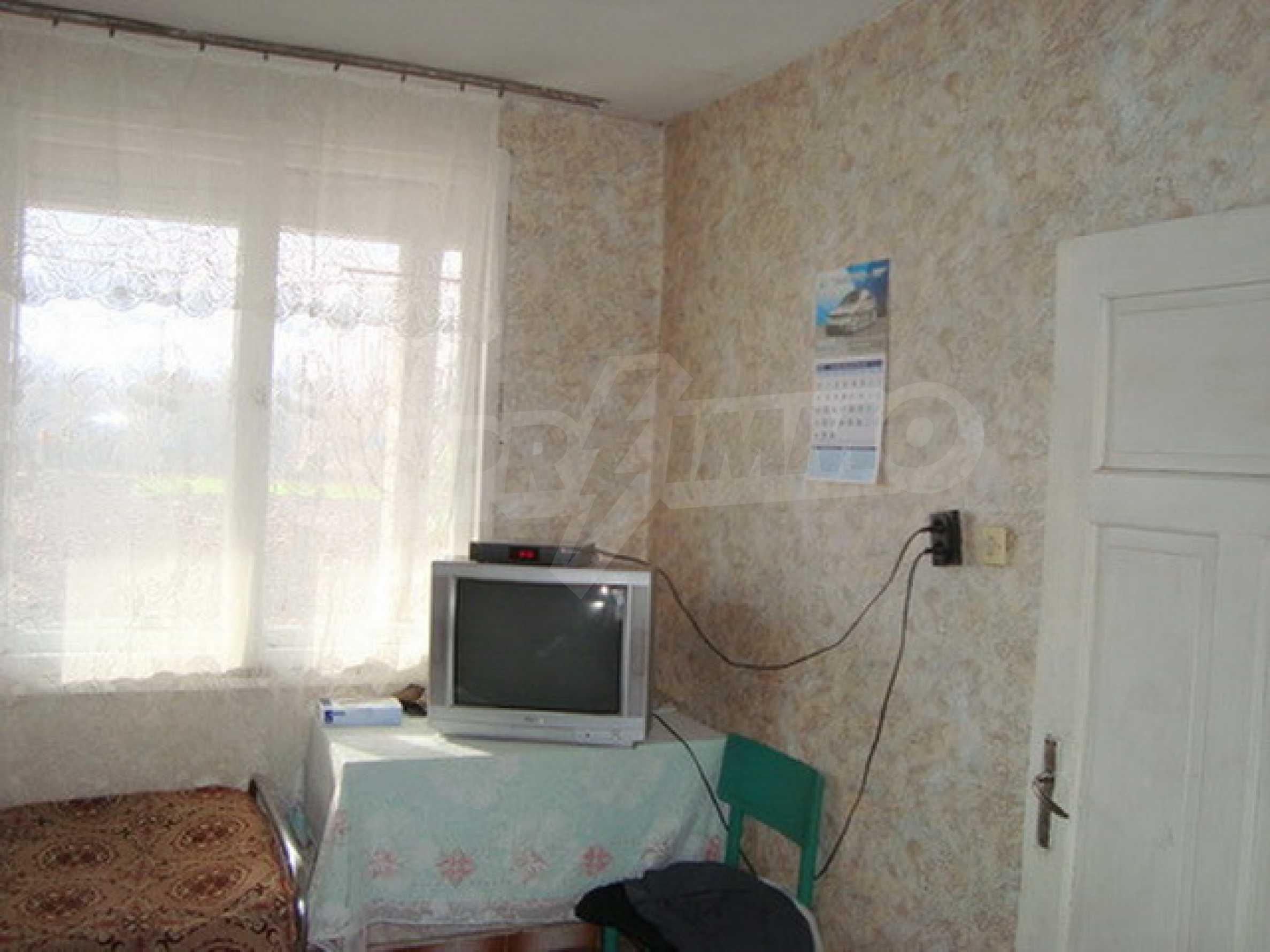 Дом в с. Горски Сеновец 11