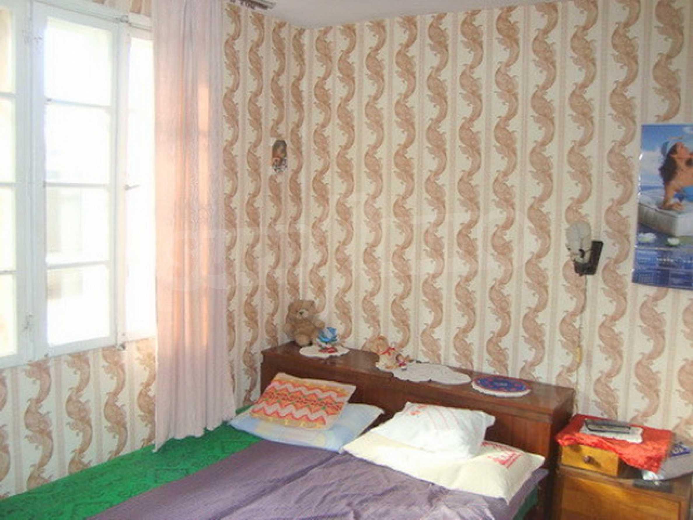 Дом в с. Горски Сеновец 2