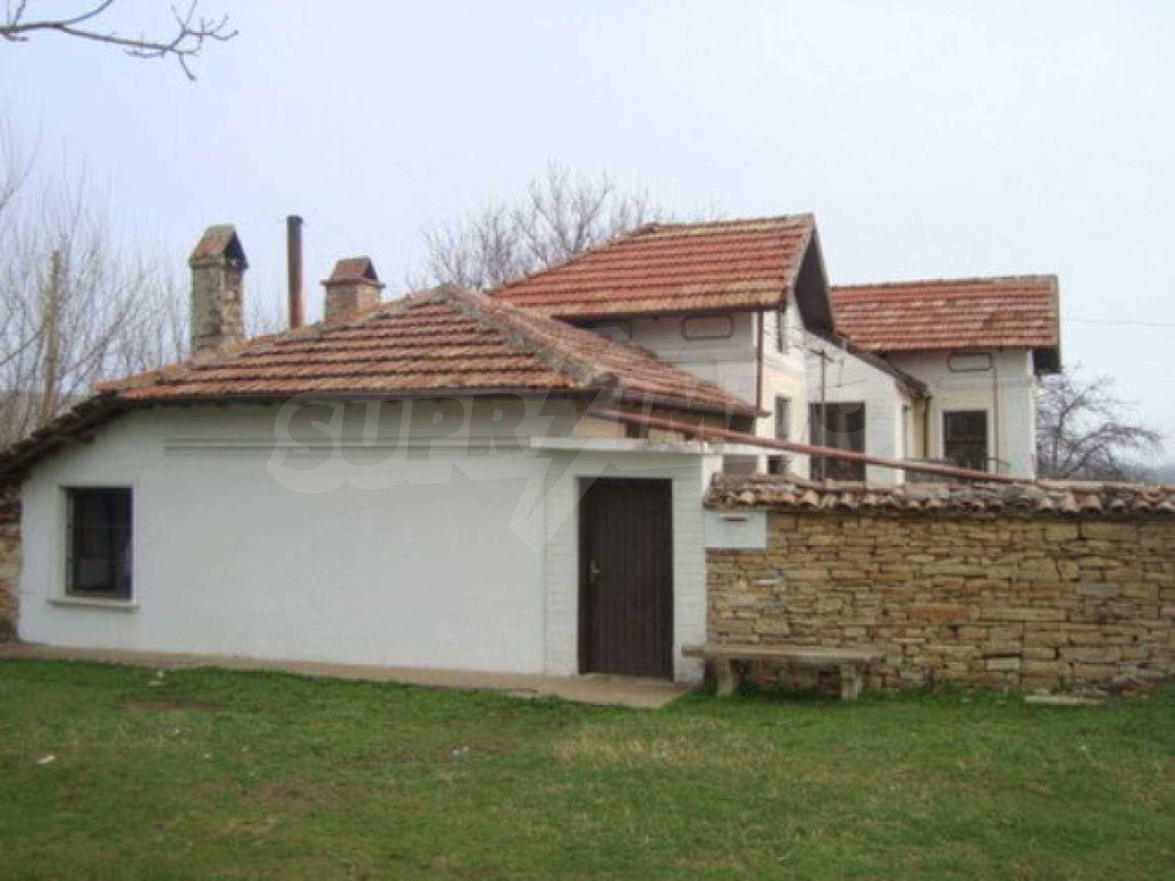 Two-storey house for sale in the village of Dolna Lipnitsa 12