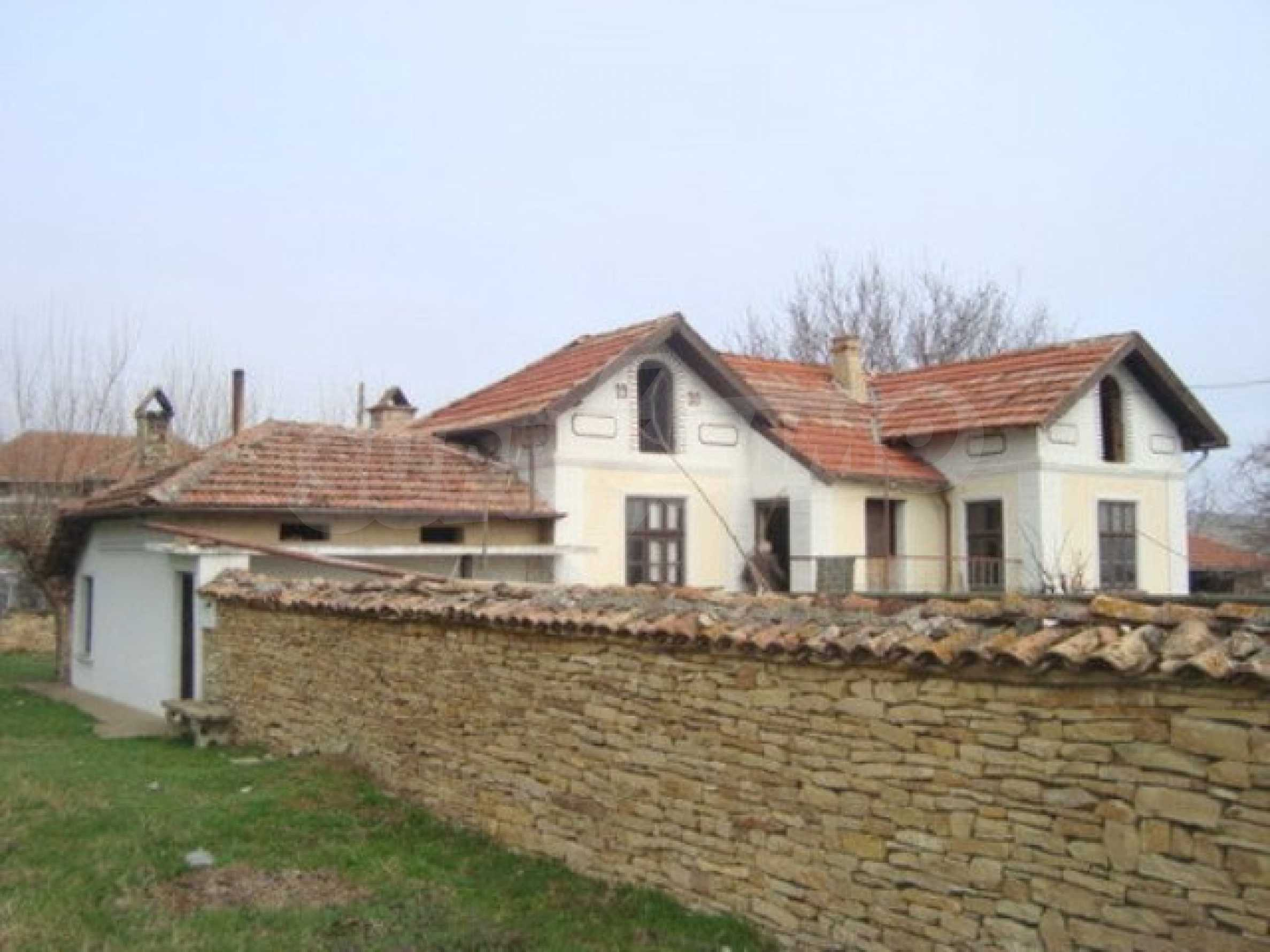 Two-storey house for sale in the village of Dolna Lipnitsa 13