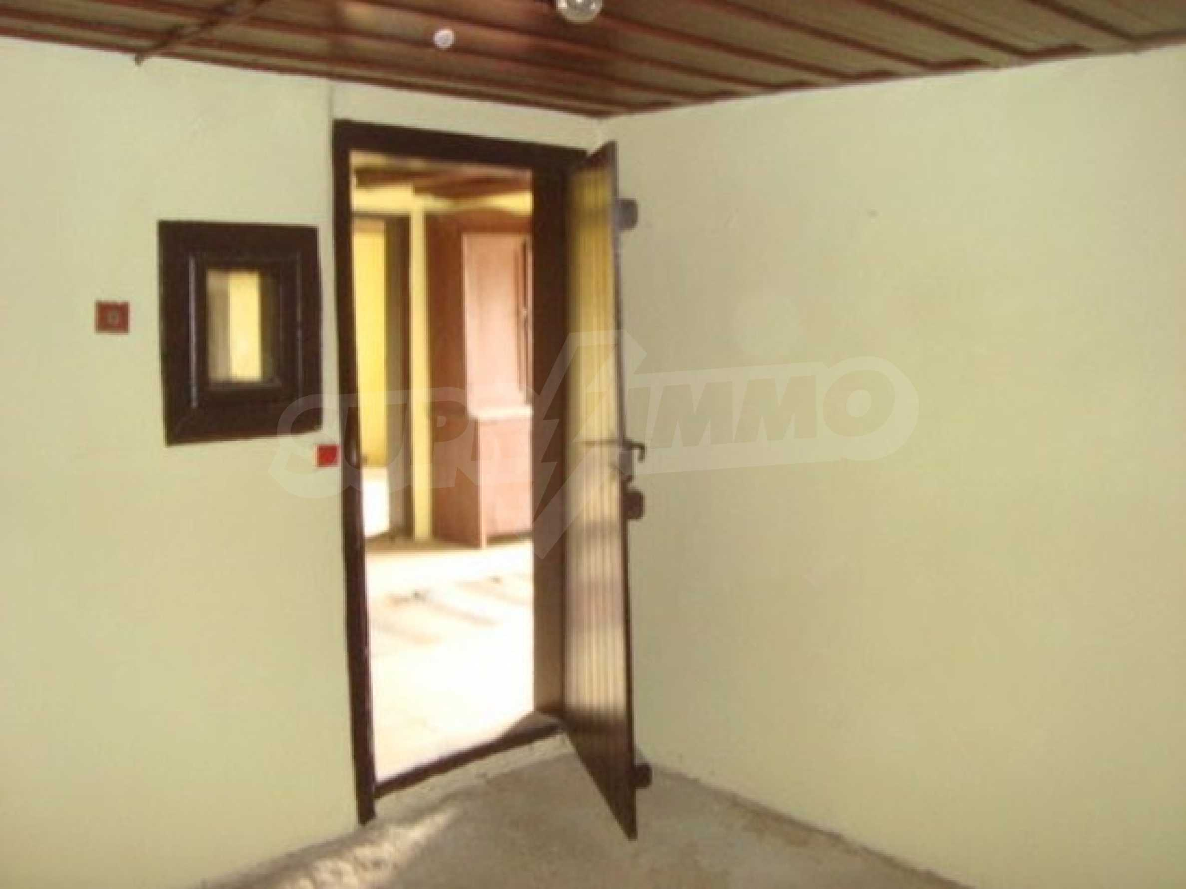 Two-storey house for sale in the village of Dolna Lipnitsa 5