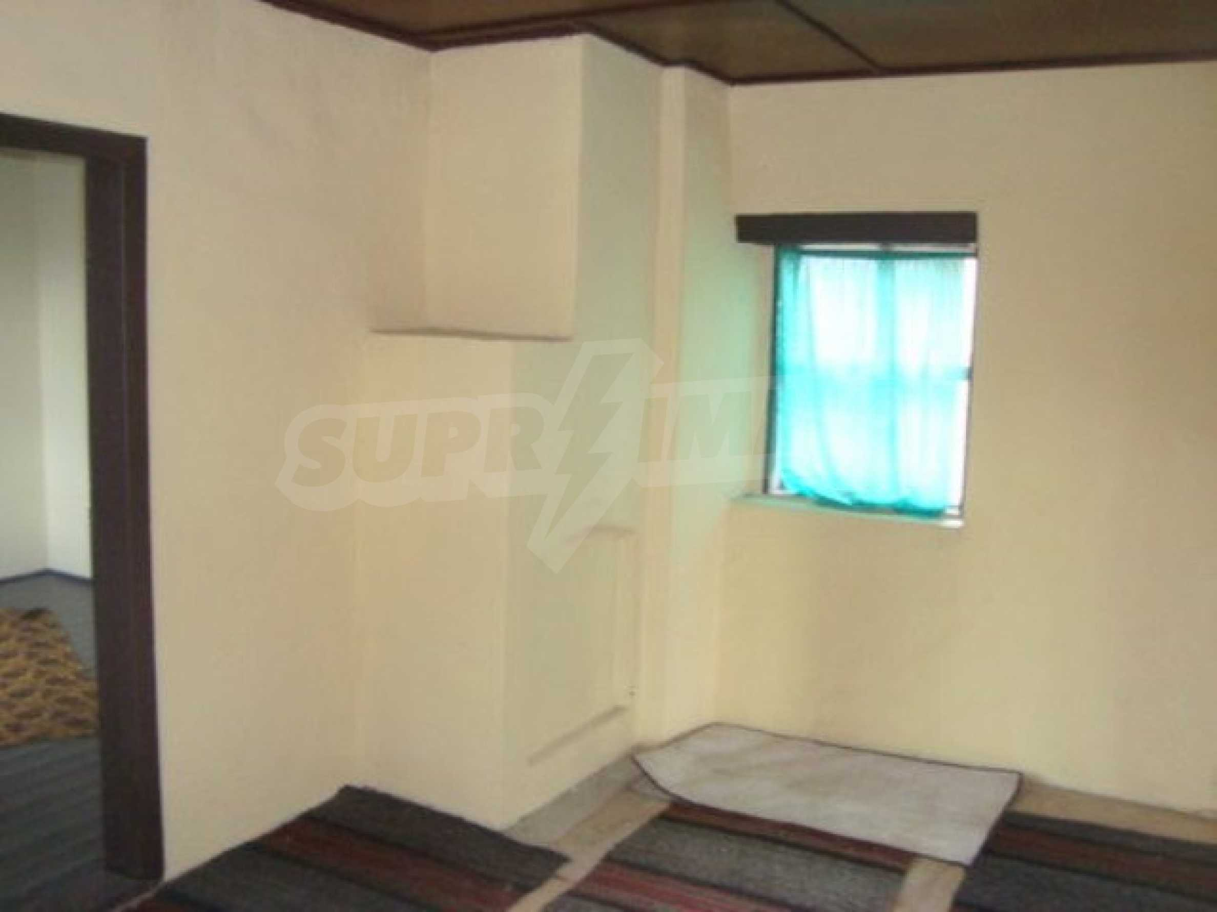 Two-storey house for sale in the village of Dolna Lipnitsa 6