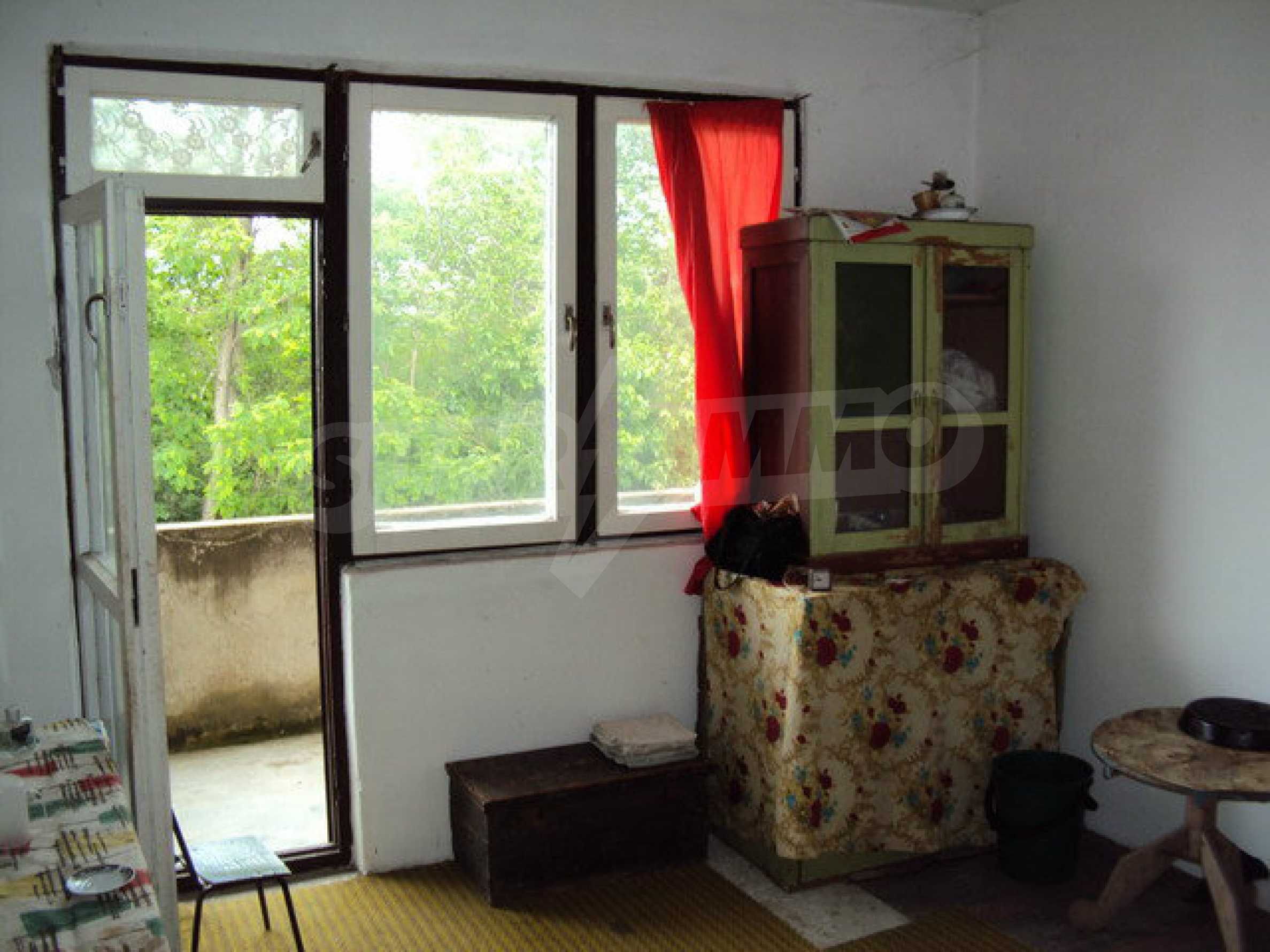 A house on two levels with garden  50 km. from the old capital of Veliko Tarnovo 11