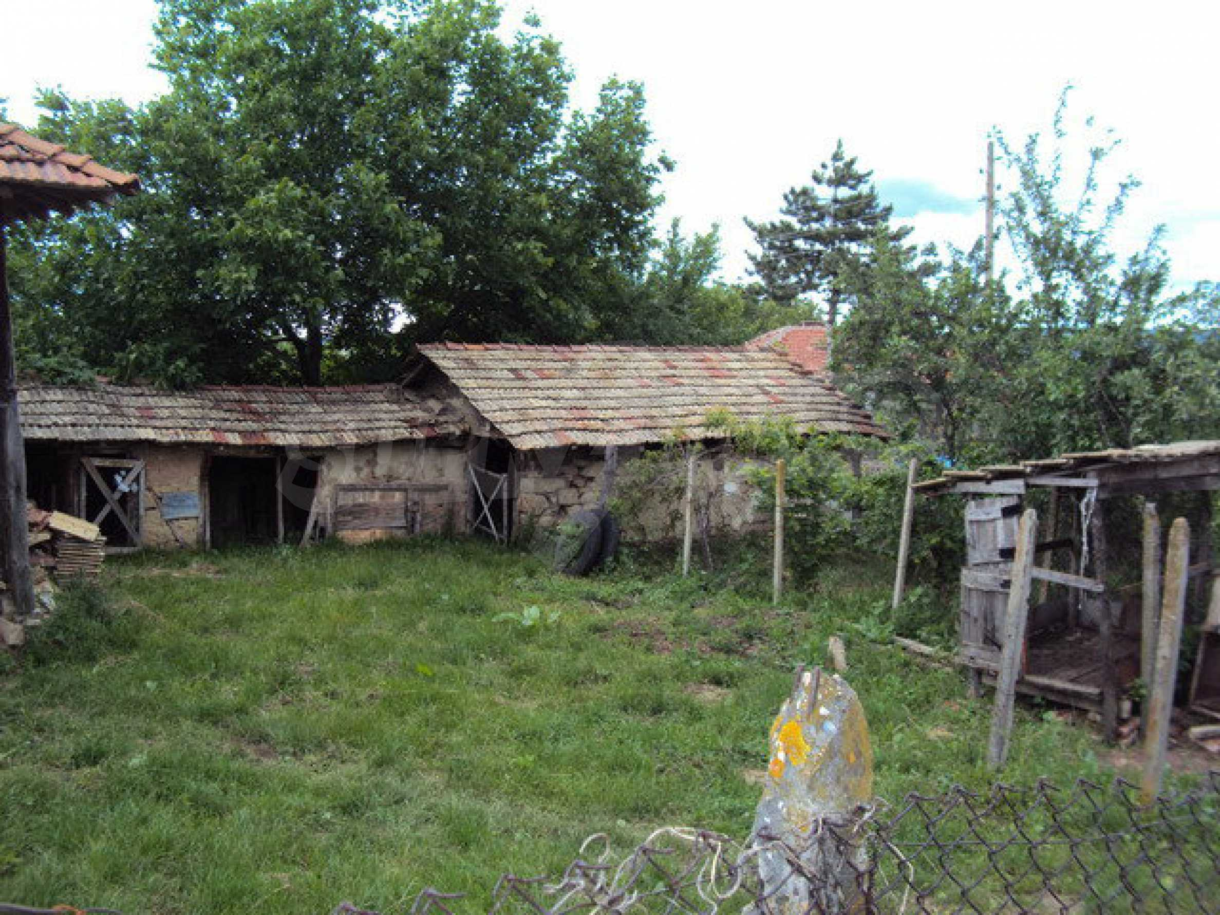 A house on two levels with garden  50 km. from the old capital of Veliko Tarnovo 17