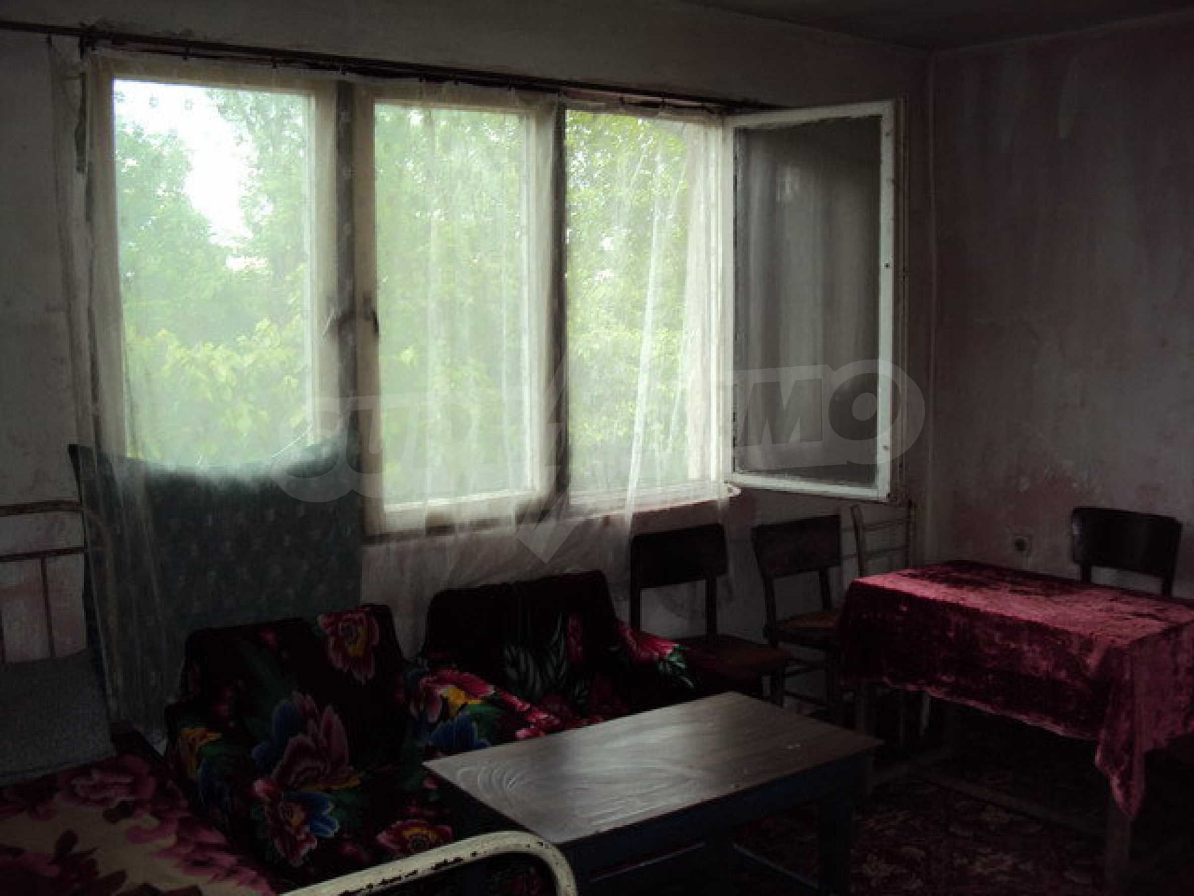 A house on two levels with garden  50 km. from the old capital of Veliko Tarnovo 24