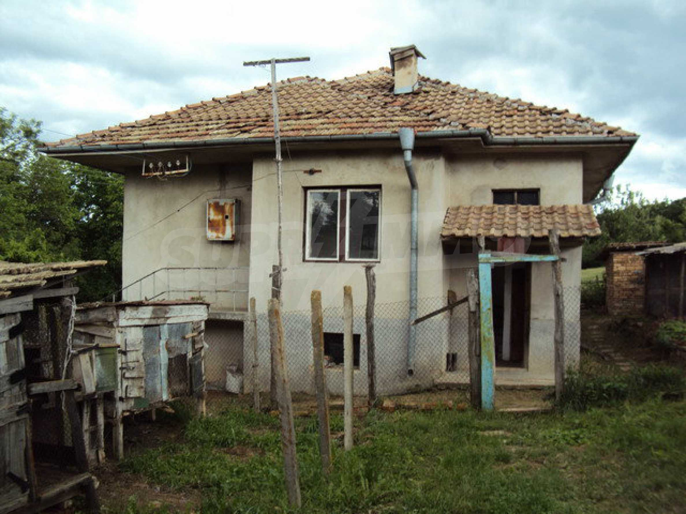 A house on two levels with garden  50 km. from the old capital of Veliko Tarnovo 2