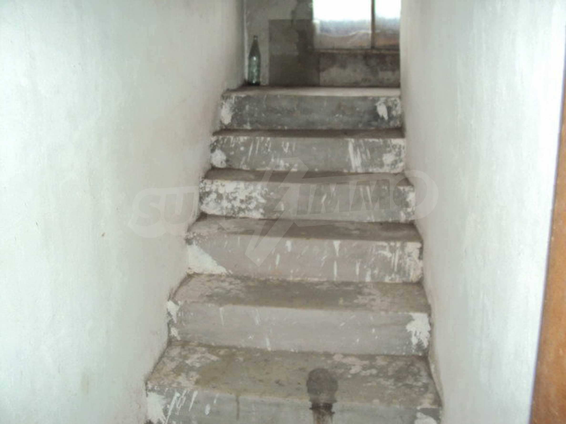 A house on two levels with garden  50 km. from the old capital of Veliko Tarnovo 5