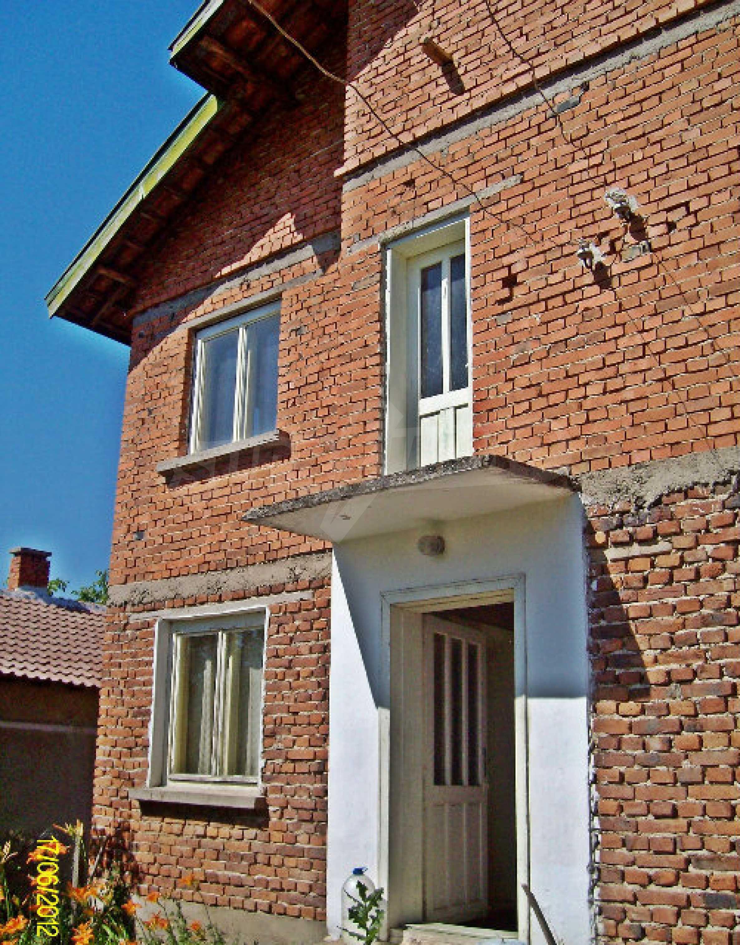 Massive Villa in einem Dorf 14 km von Kula entfernt 1
