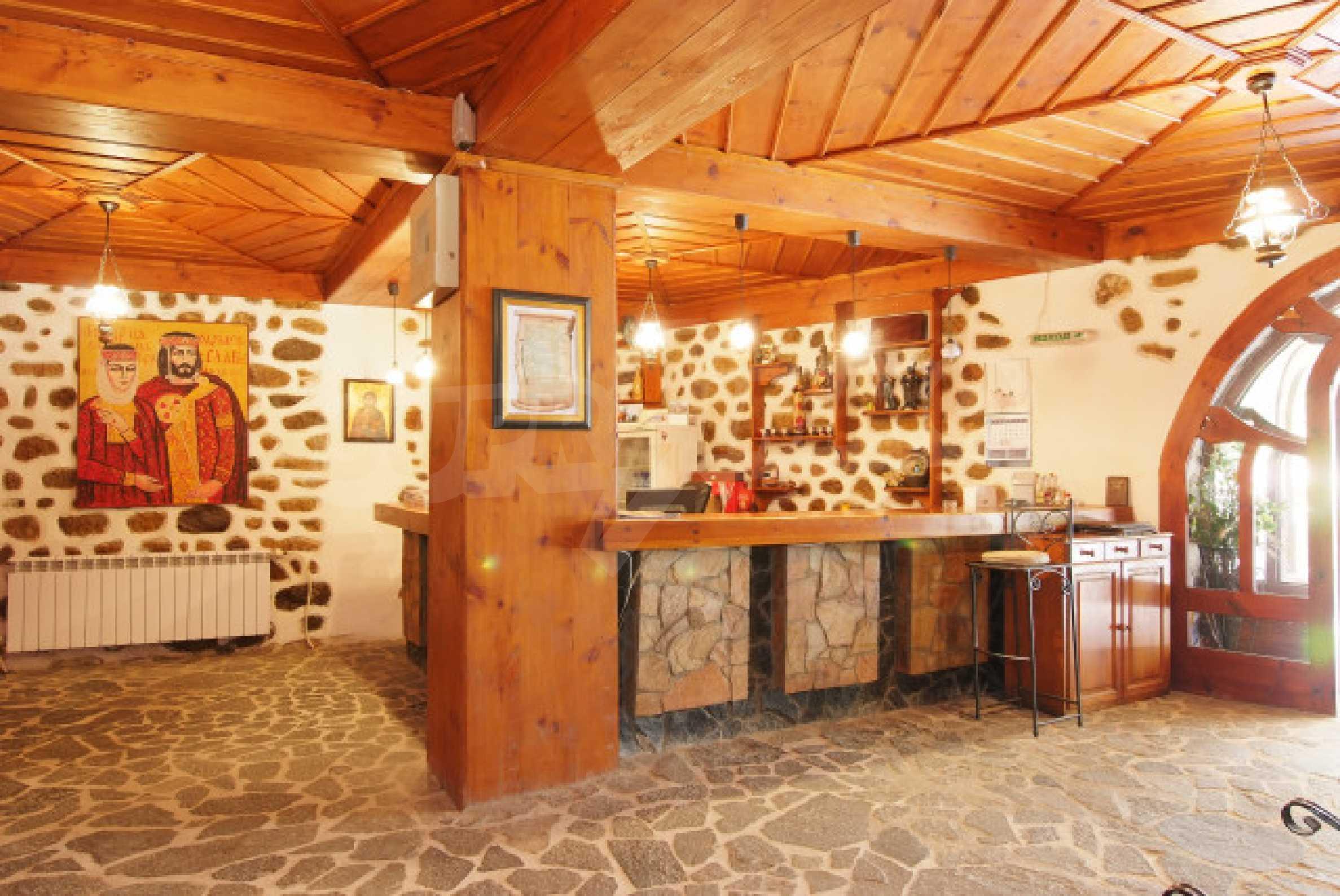 Семеен хотел в центъра на град Мелник 9