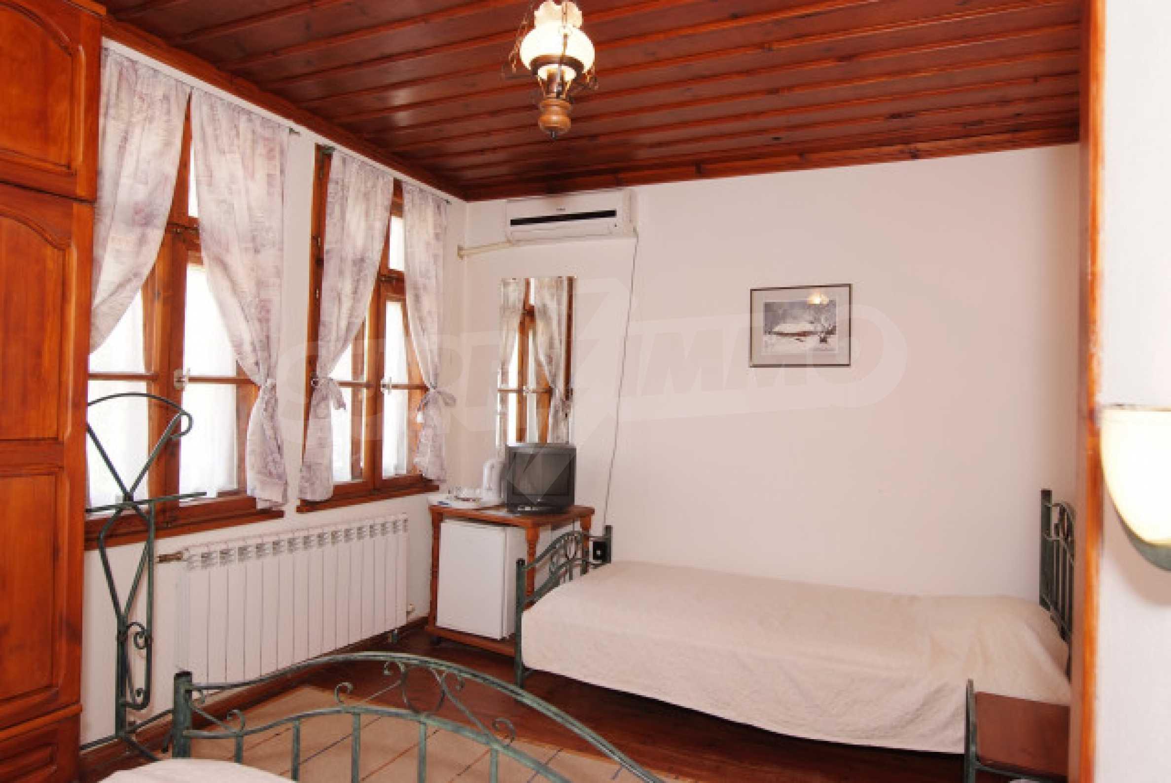 Семеен хотел в центъра на град Мелник 16
