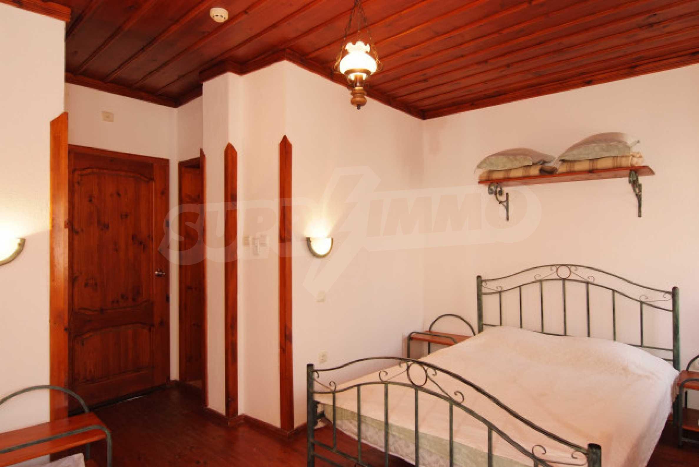 Семеен хотел в центъра на град Мелник 17