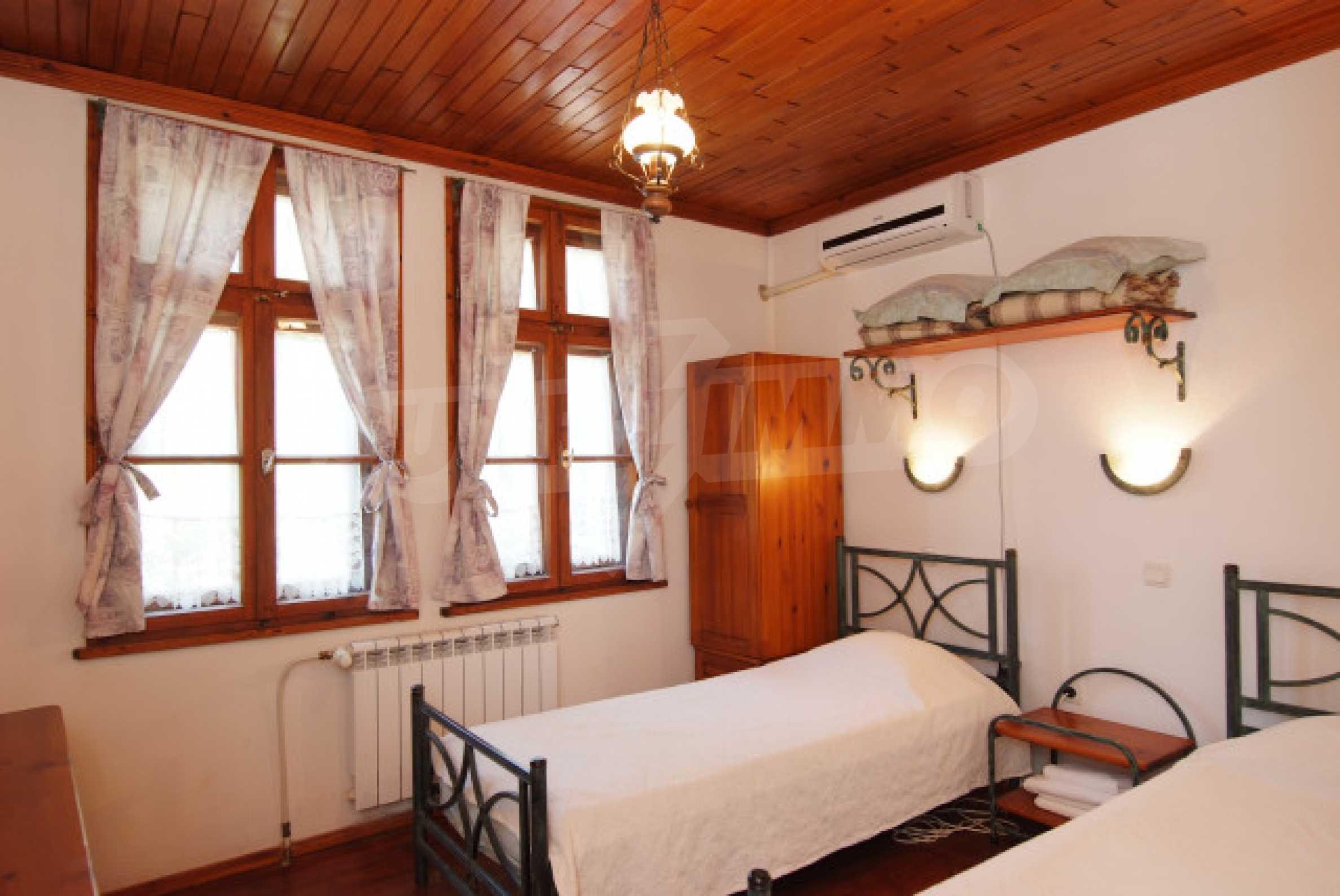 Семеен хотел в центъра на град Мелник 19
