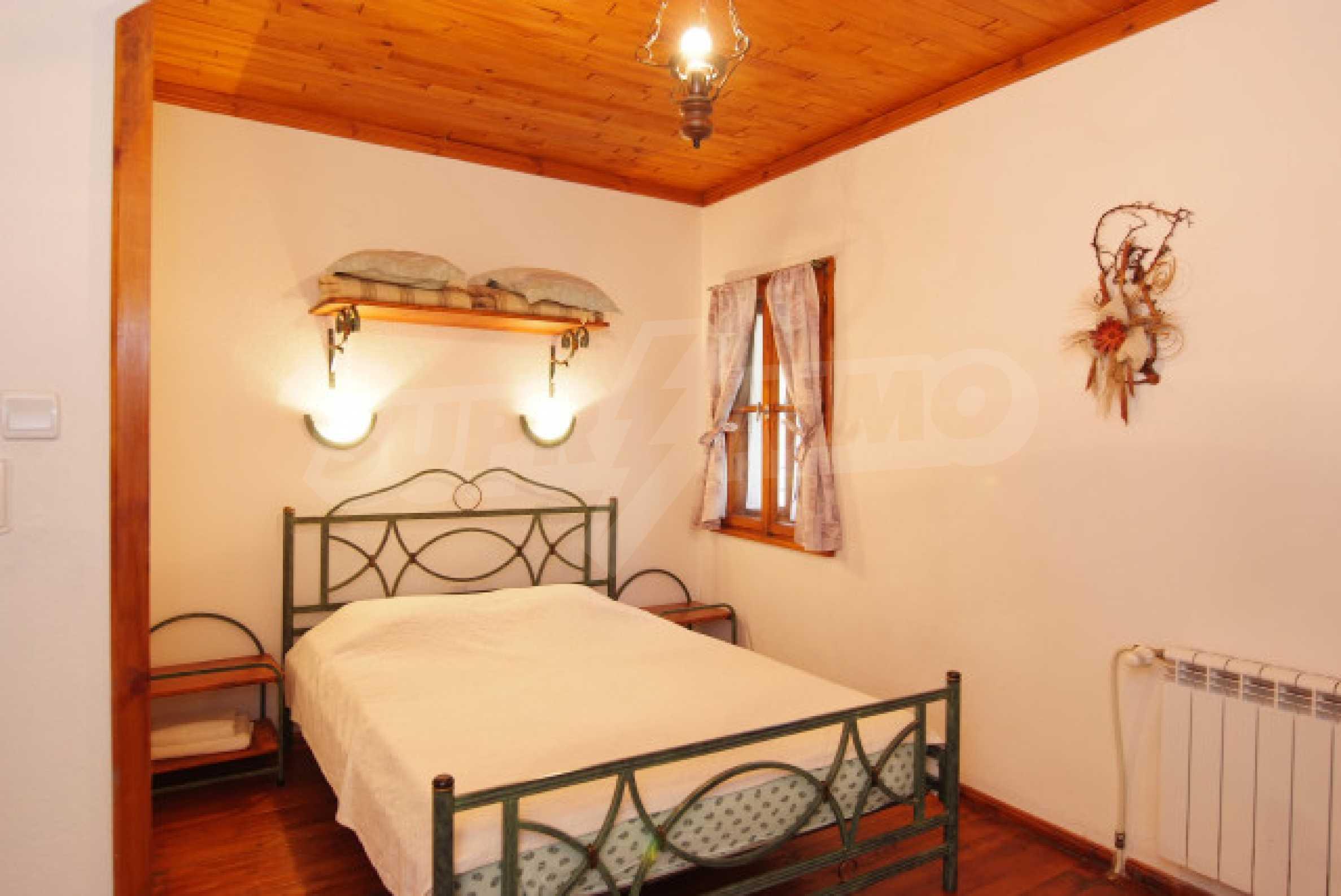 Семеен хотел в центъра на град Мелник 20