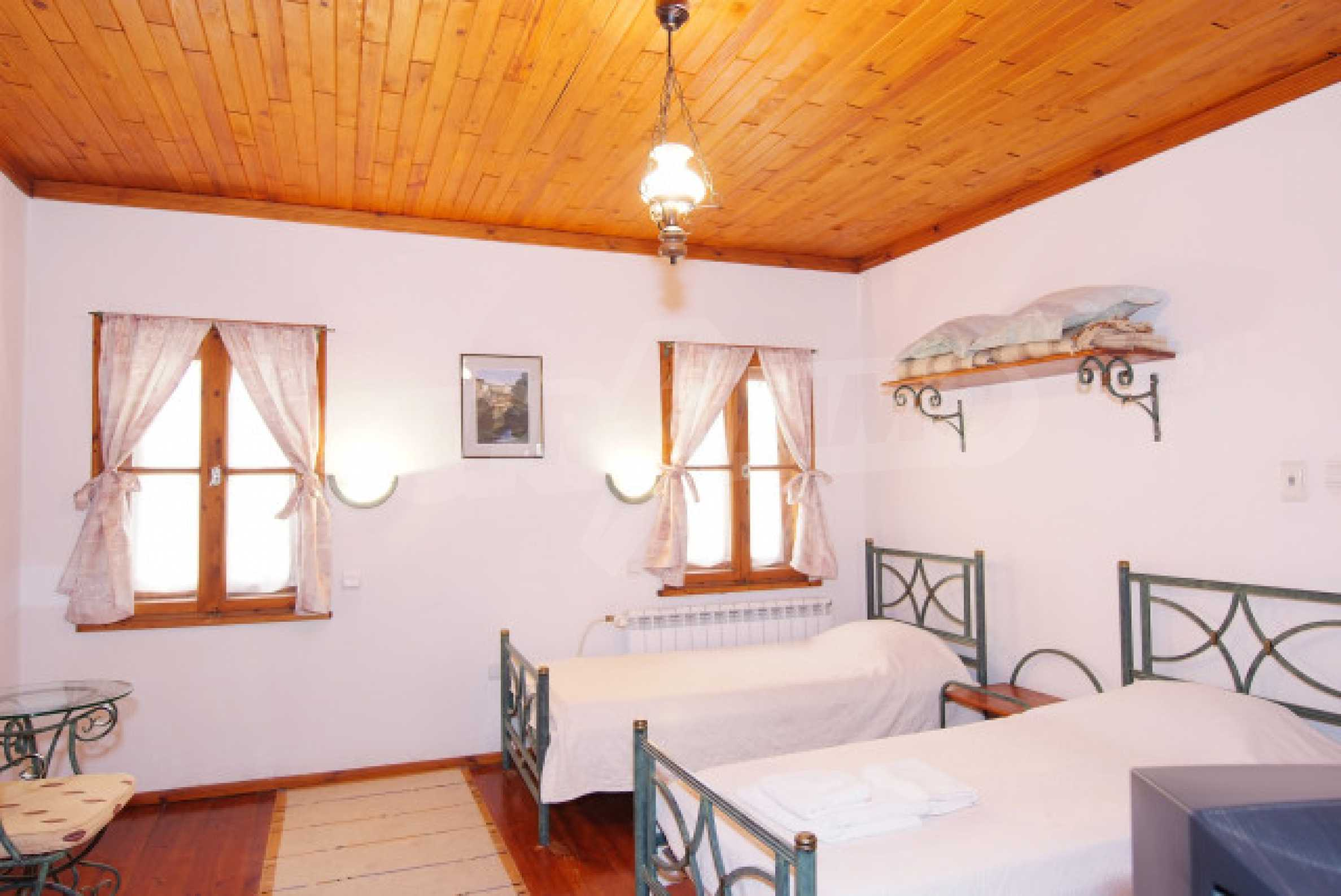 Семеен хотел в центъра на град Мелник 21