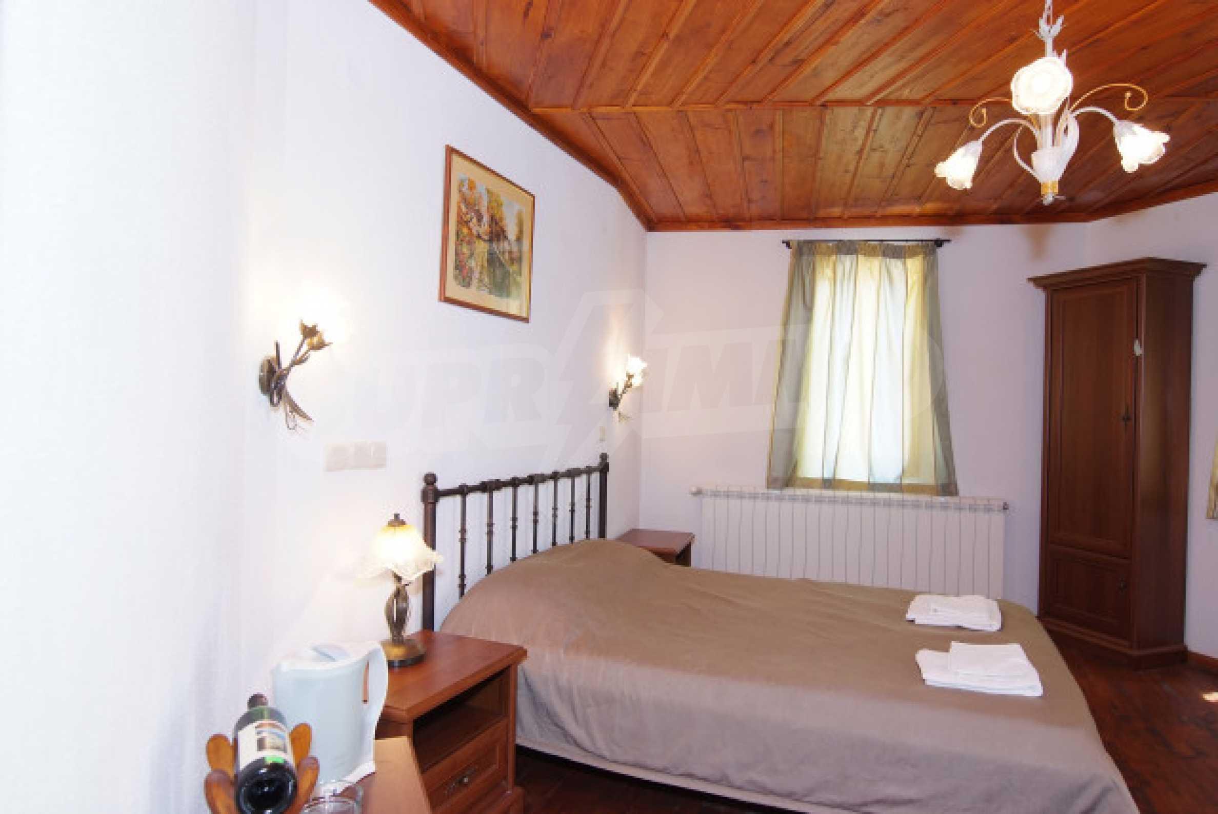 Семеен хотел в центъра на град Мелник 22