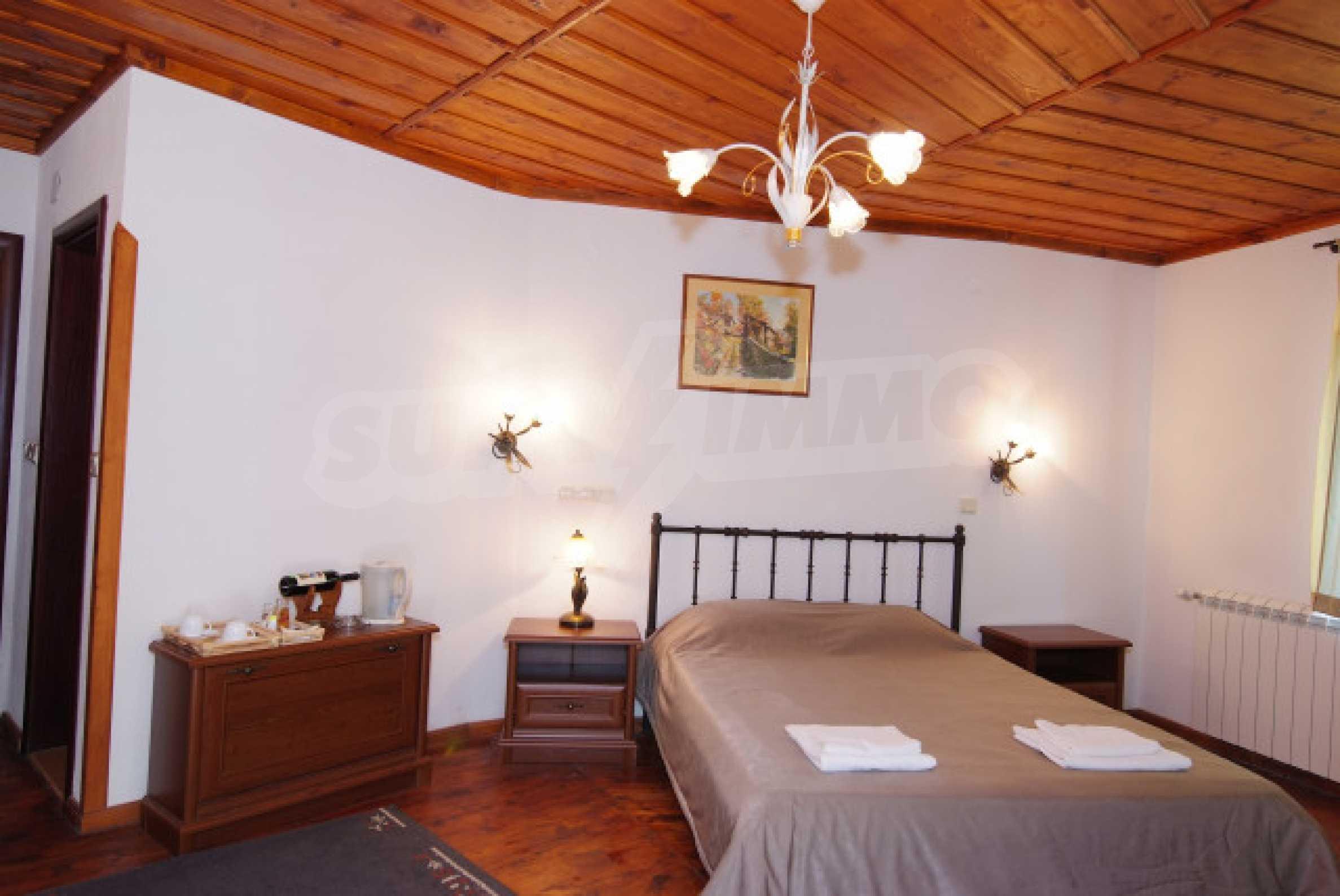 Семеен хотел в центъра на град Мелник 23