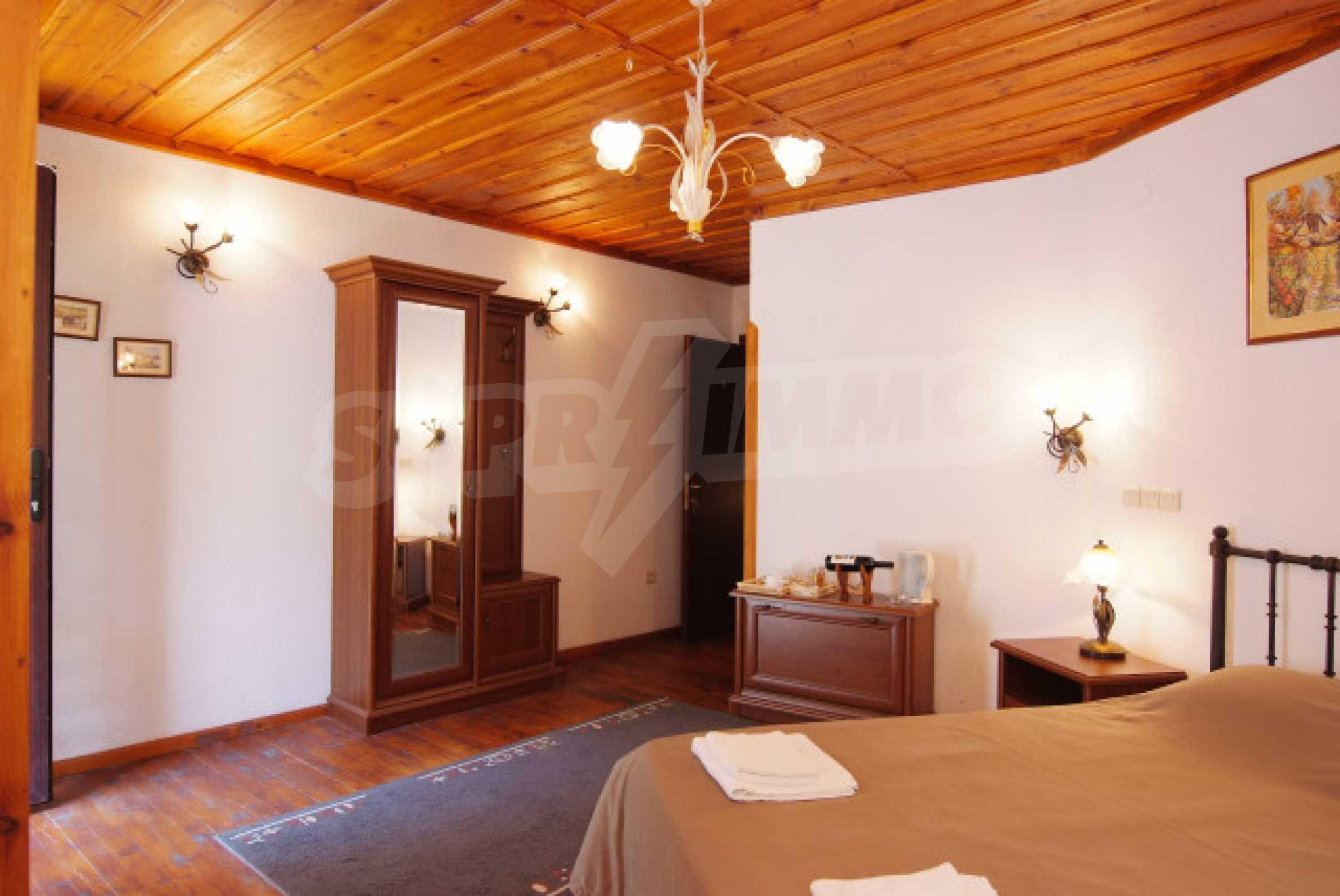 Семеен хотел в центъра на град Мелник 24
