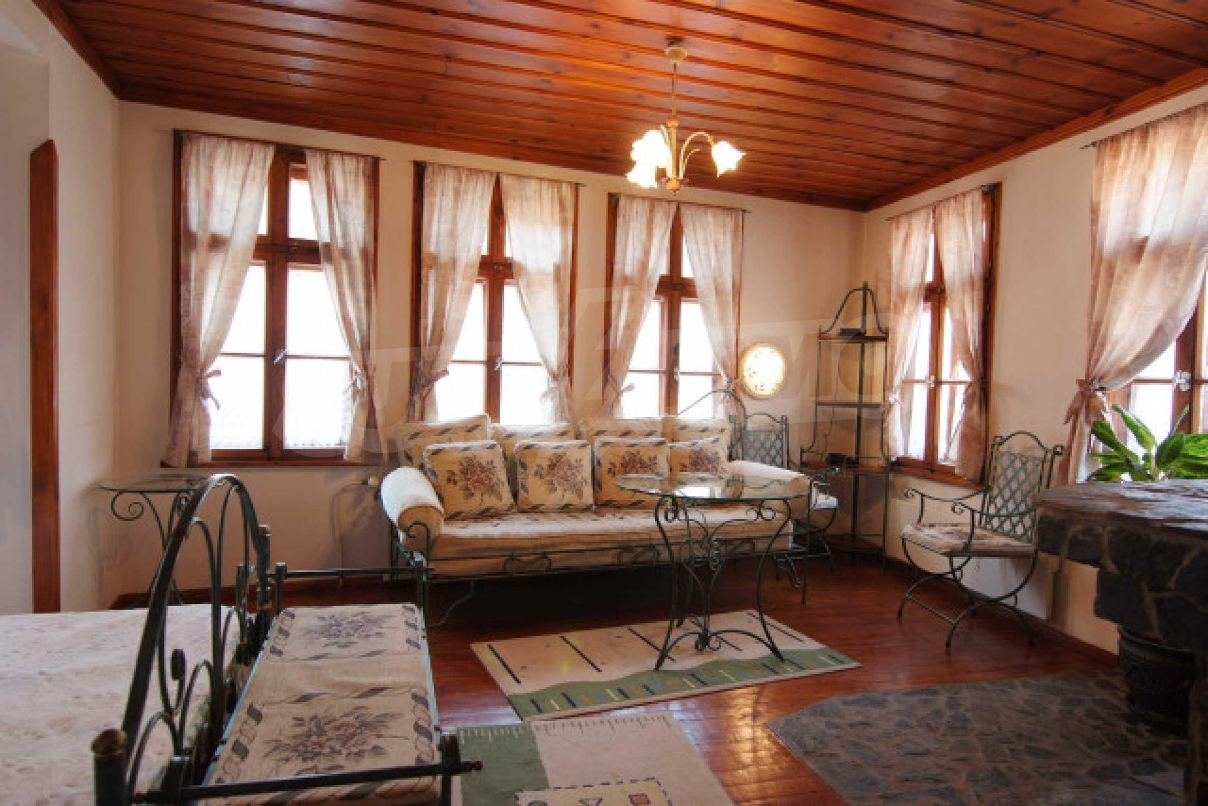 Семеен хотел в центъра на град Мелник 25