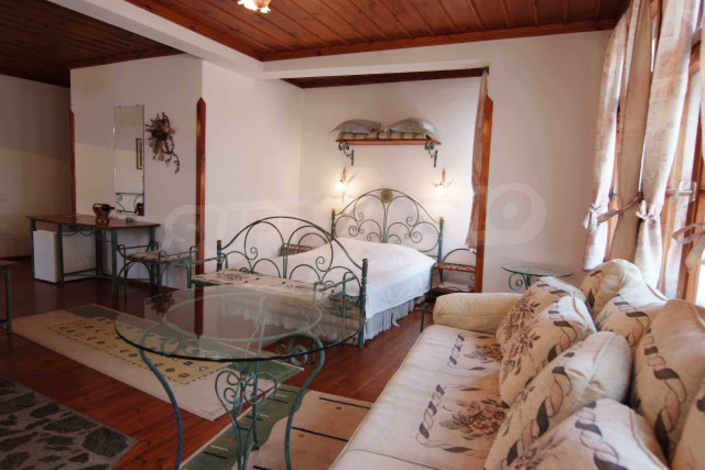 Семеен хотел в центъра на град Мелник 26