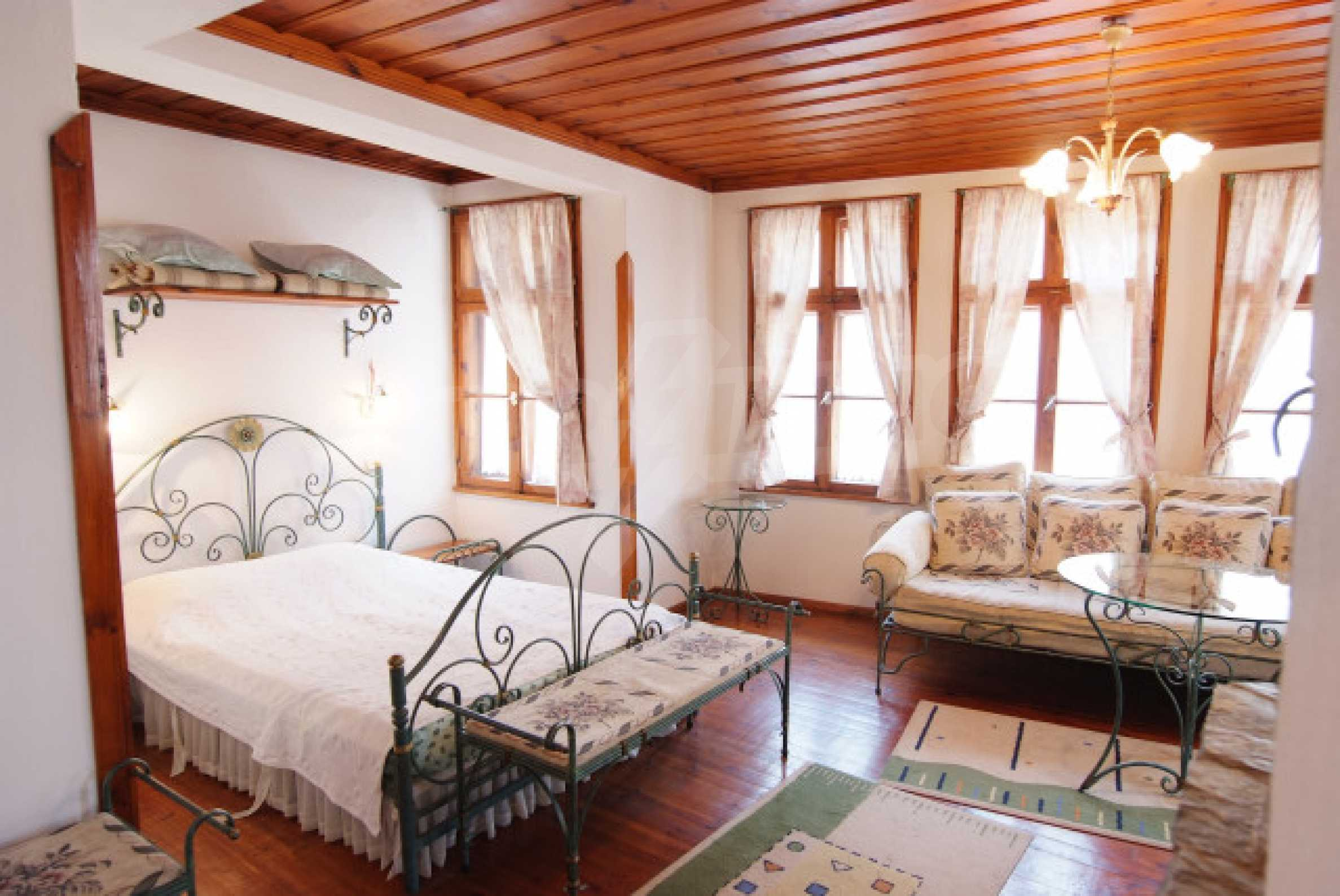 Семеен хотел в центъра на град Мелник 27