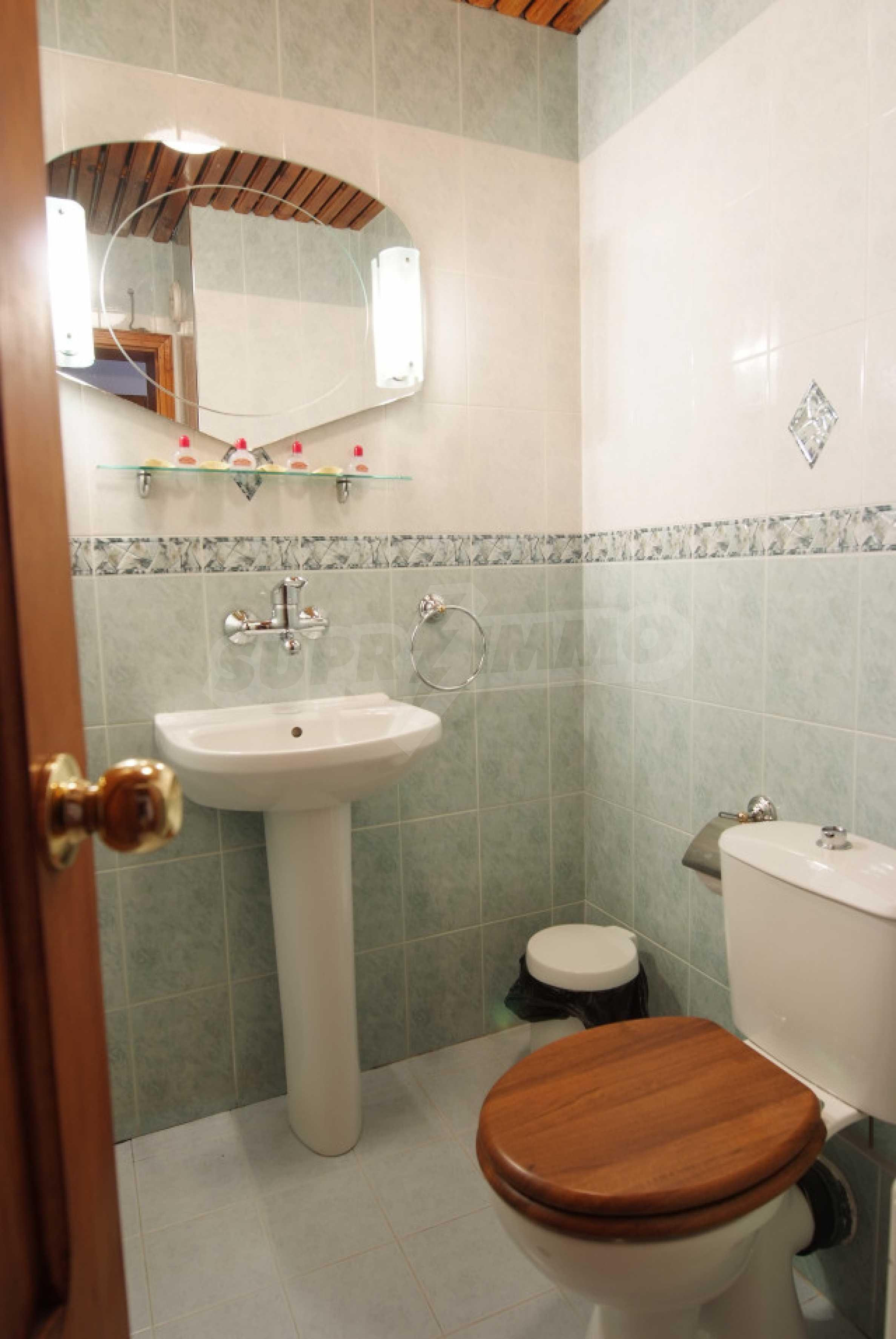 Семеен хотел в центъра на град Мелник 28