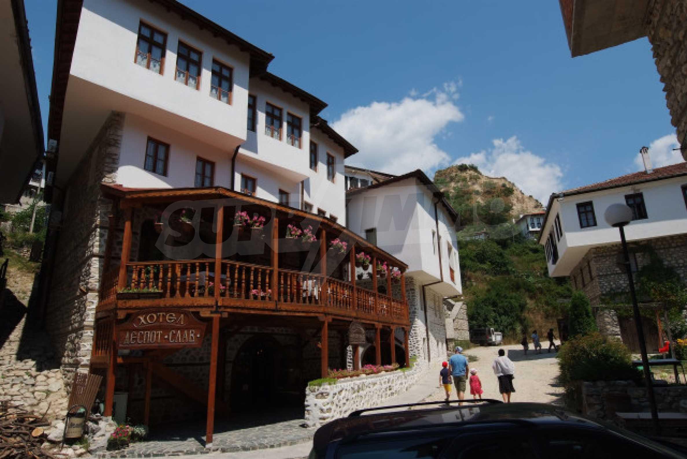 Семеен хотел в центъра на град Мелник 2