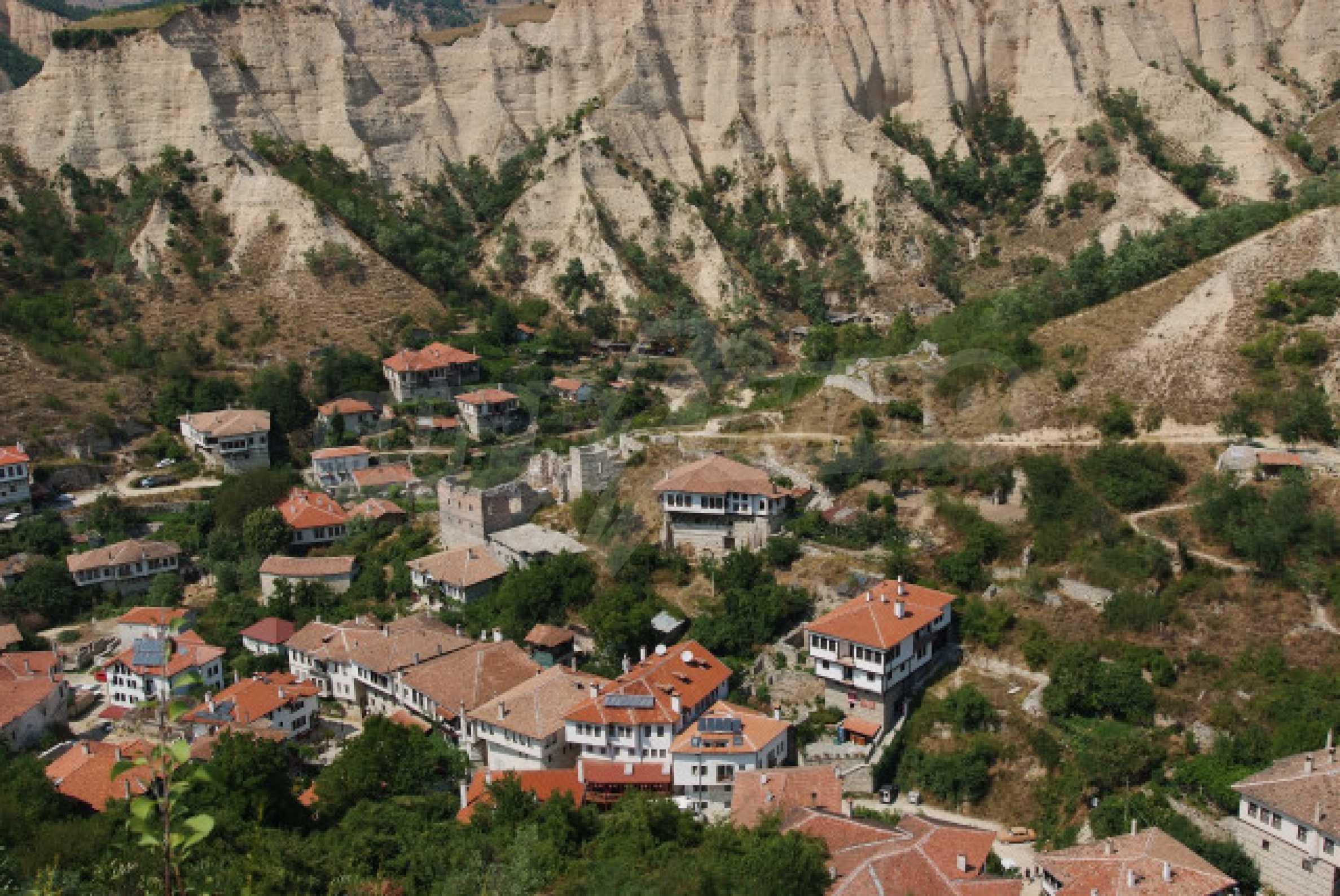 Семеен хотел в центъра на град Мелник 30
