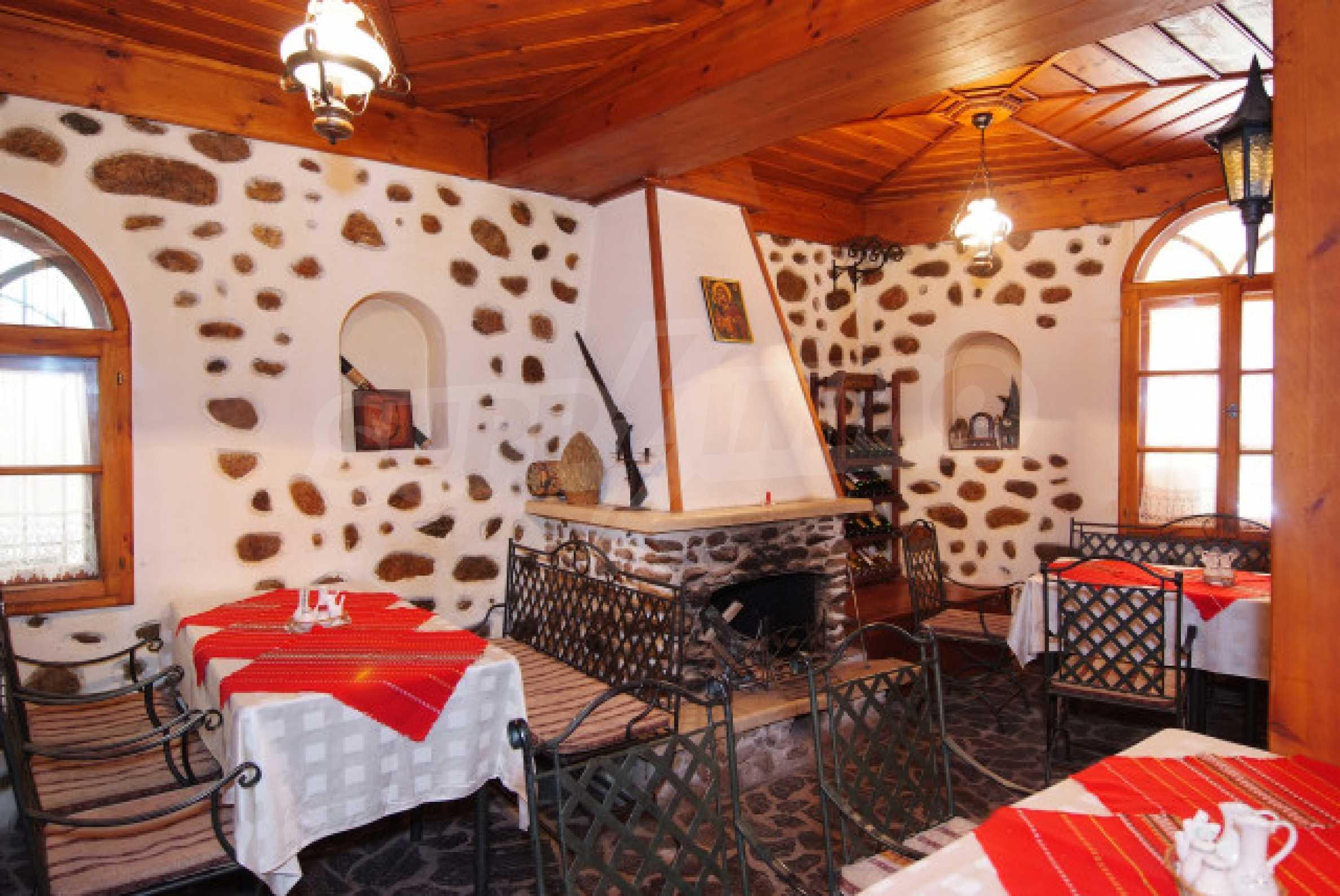 Семеен хотел в центъра на град Мелник 3