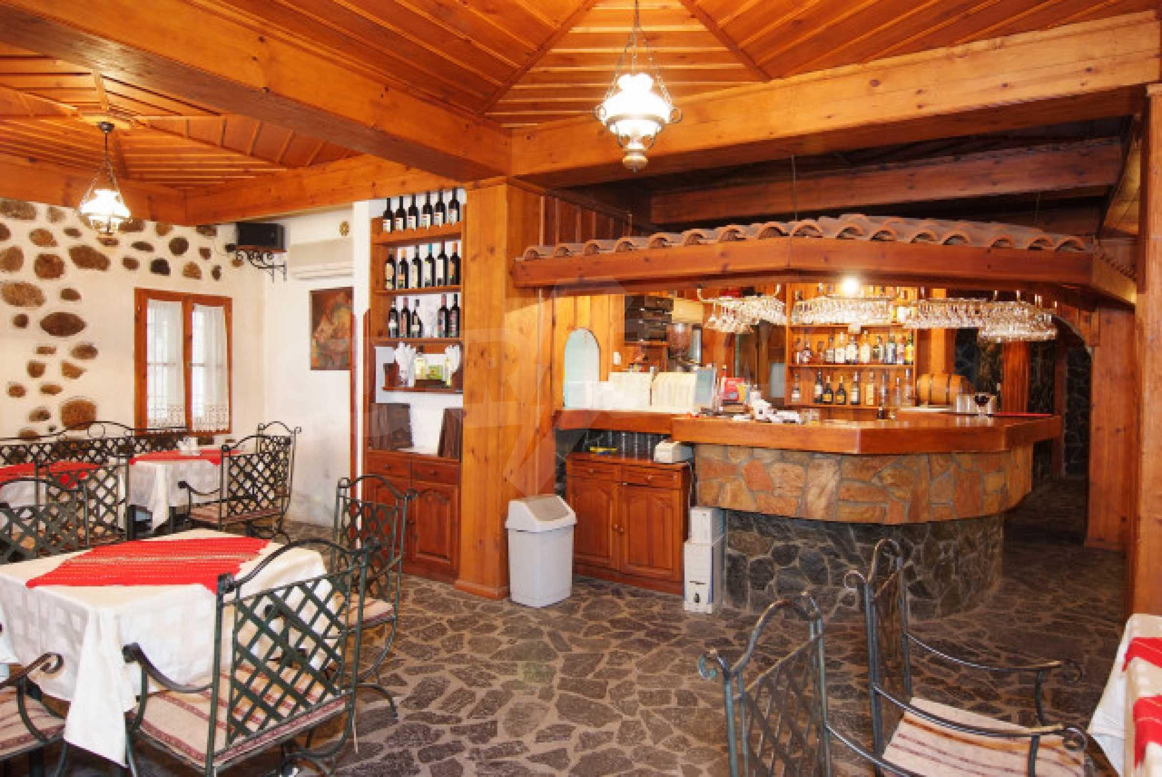 Семеен хотел в центъра на град Мелник 5