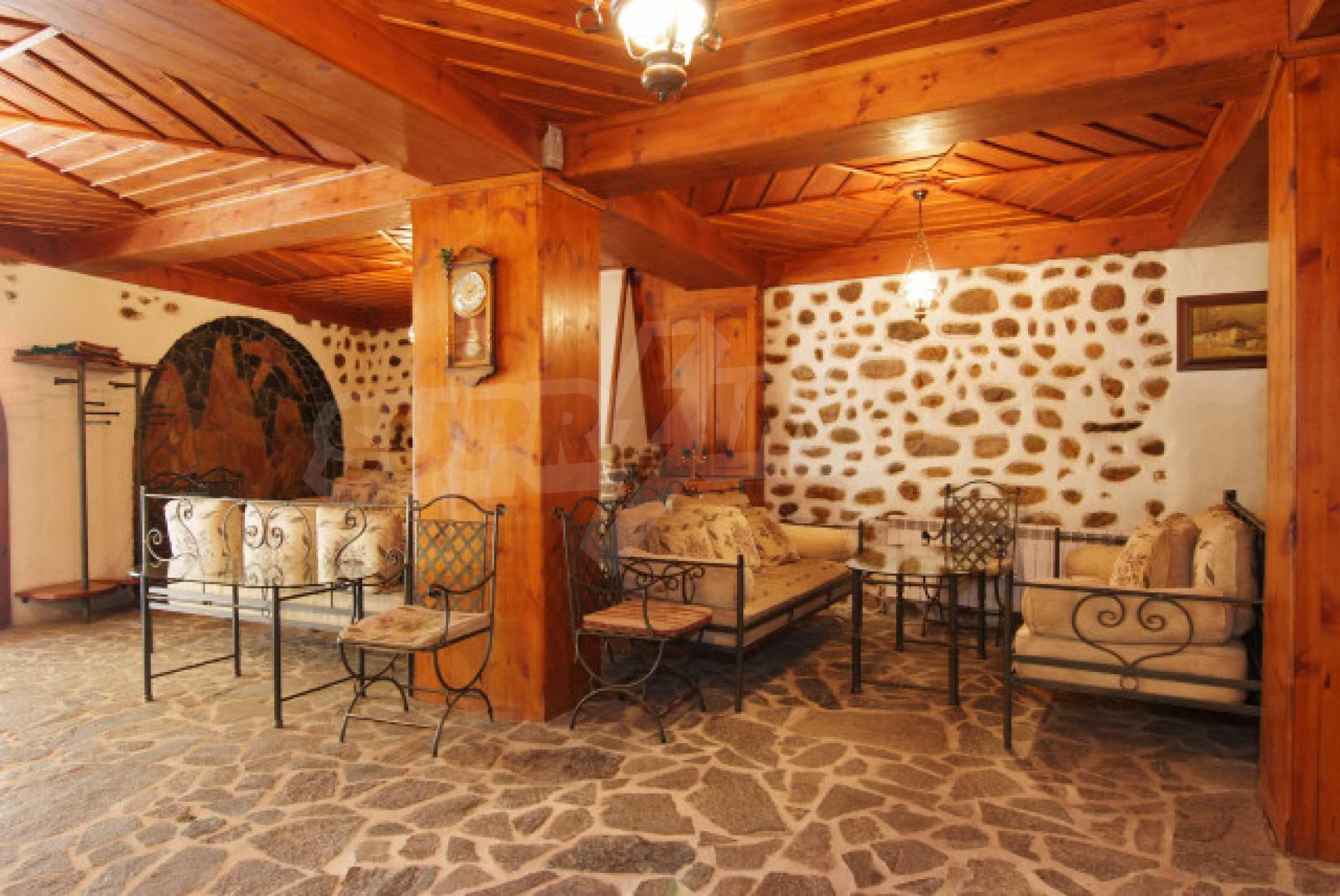 Семеен хотел в центъра на град Мелник 7