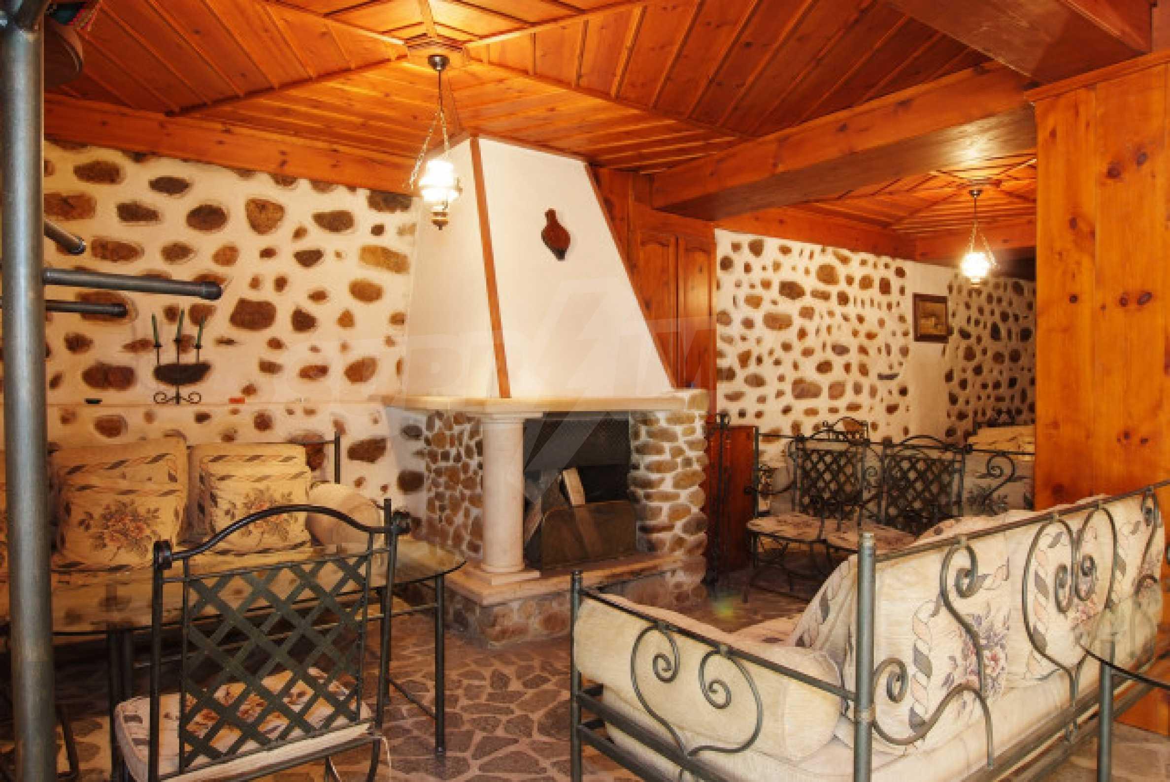 Семеен хотел в центъра на град Мелник 8