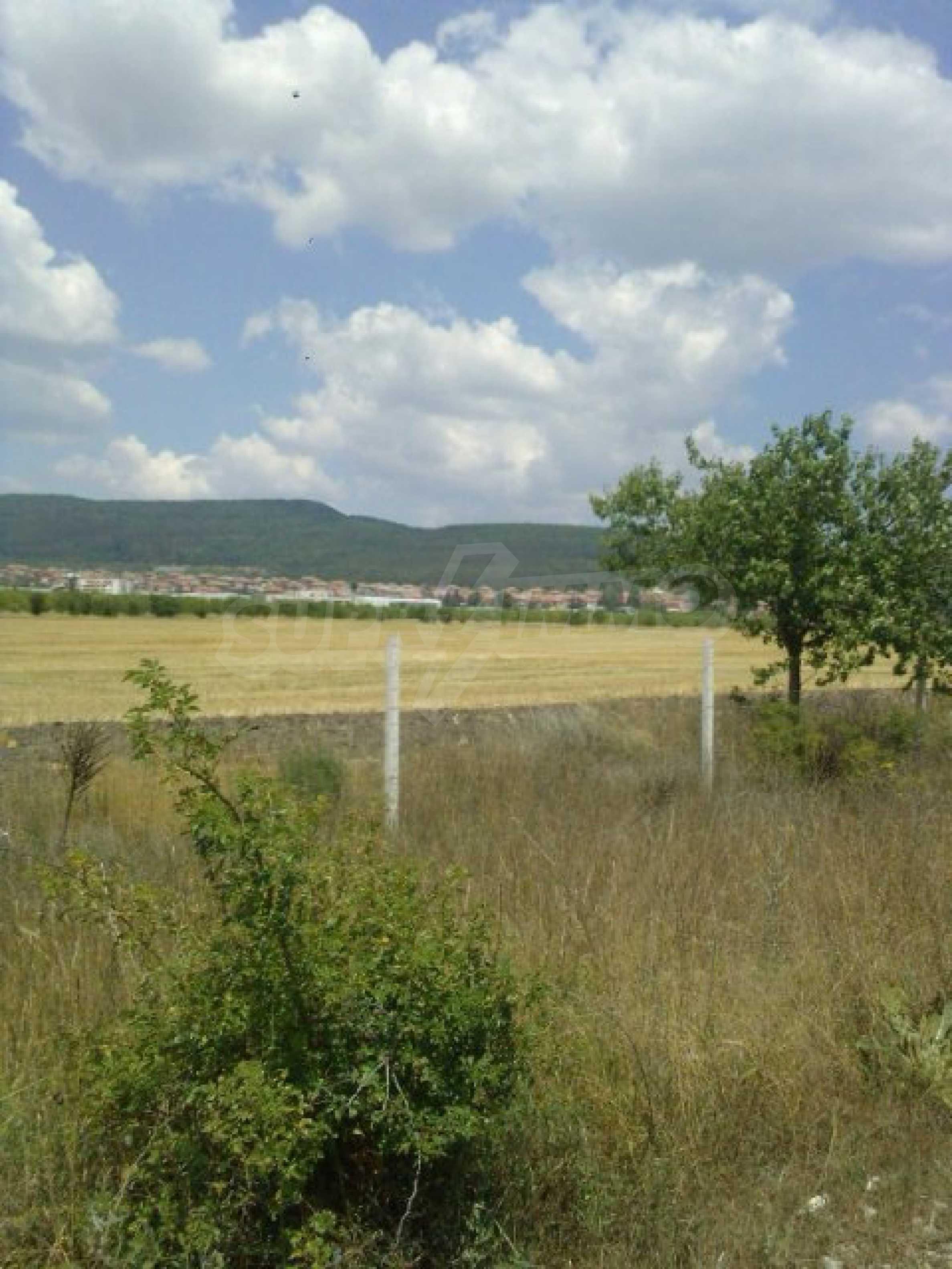Парцел до летище Варна 1