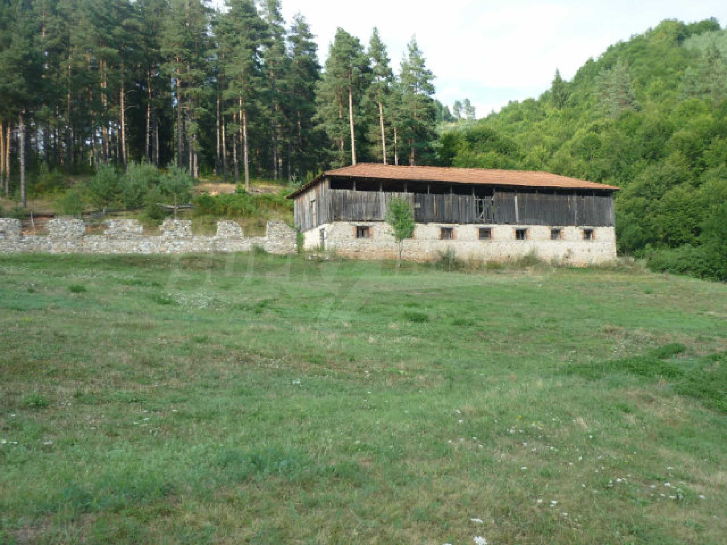 Large regulated plot of land in a quiet area near Smolyan