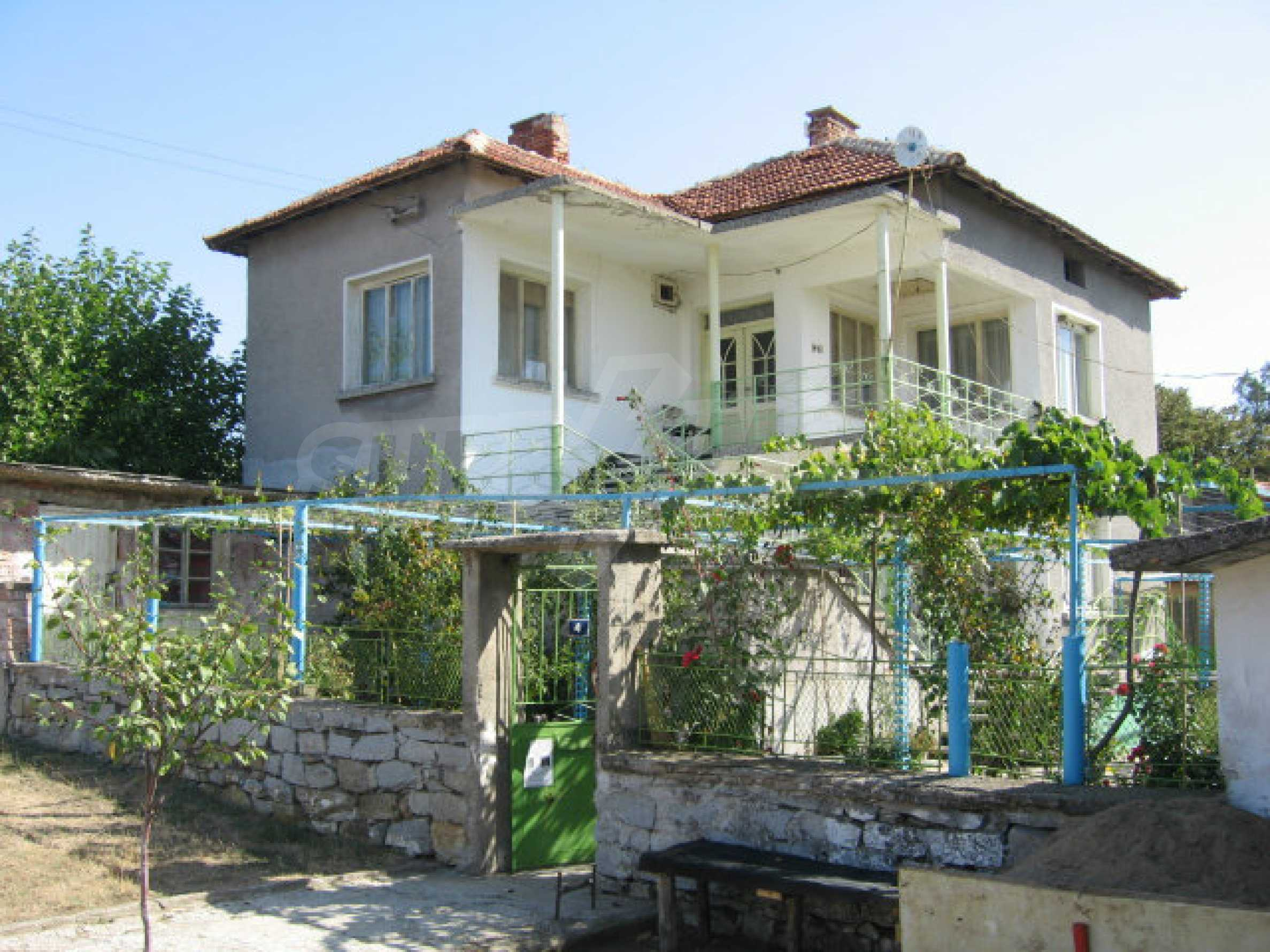Large and solid house with a garden in a beautiful rural area near Topolovgrad and Elhovo