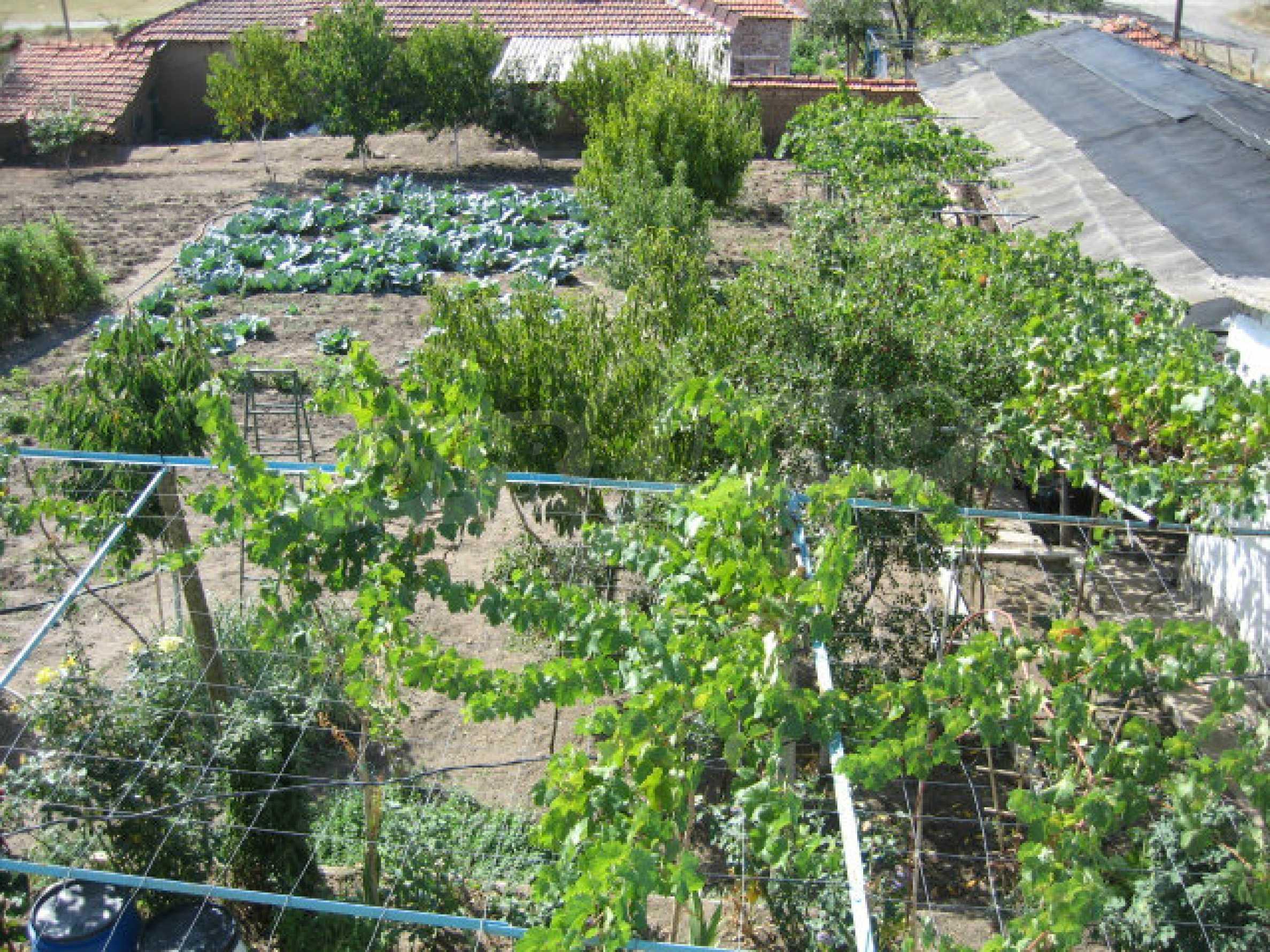 Großes und solides Haus mit einem Garten in einer schönen ländlichen Gegend in der Nähe von Topolovgrad und Elhovo 20