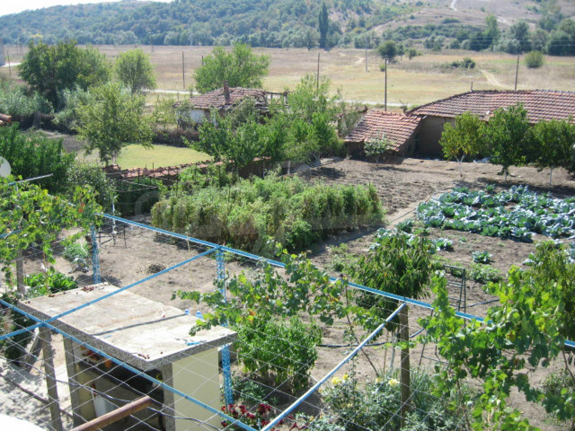 Großes und solides Haus mit einem Garten in einer schönen ländlichen Gegend in der Nähe von Topolovgrad und Elhovo 21