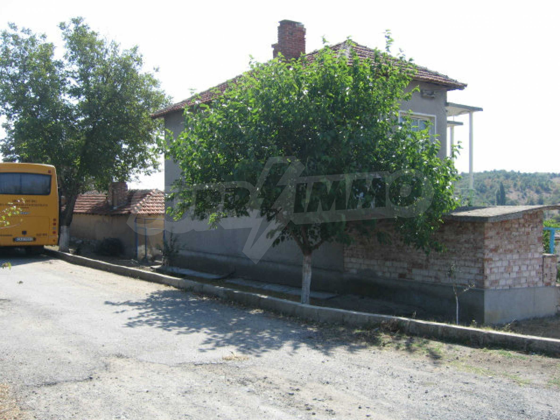 Großes und solides Haus mit einem Garten in einer schönen ländlichen Gegend in der Nähe von Topolovgrad und Elhovo 30