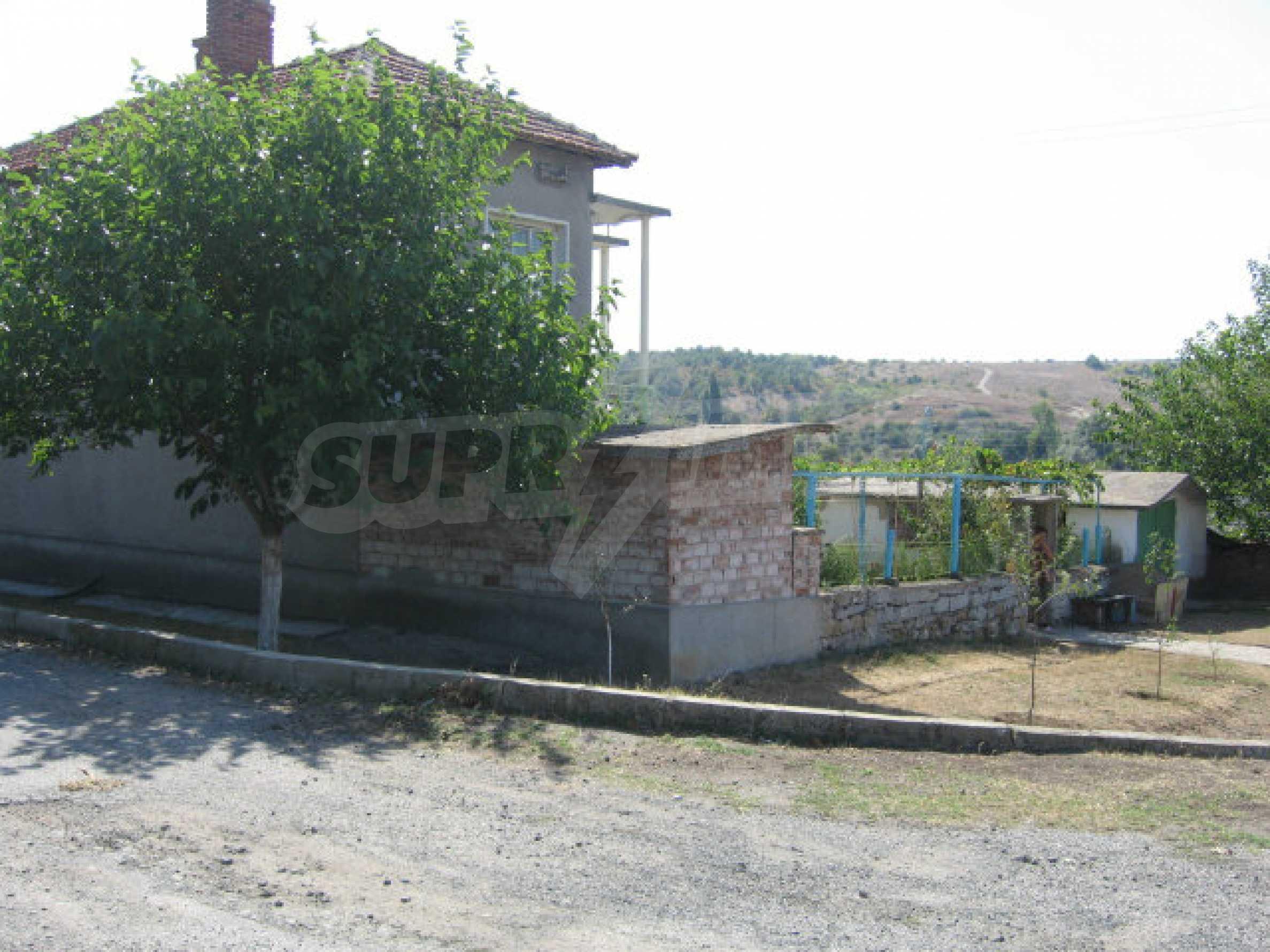 Großes und solides Haus mit einem Garten in einer schönen ländlichen Gegend in der Nähe von Topolovgrad und Elhovo 31