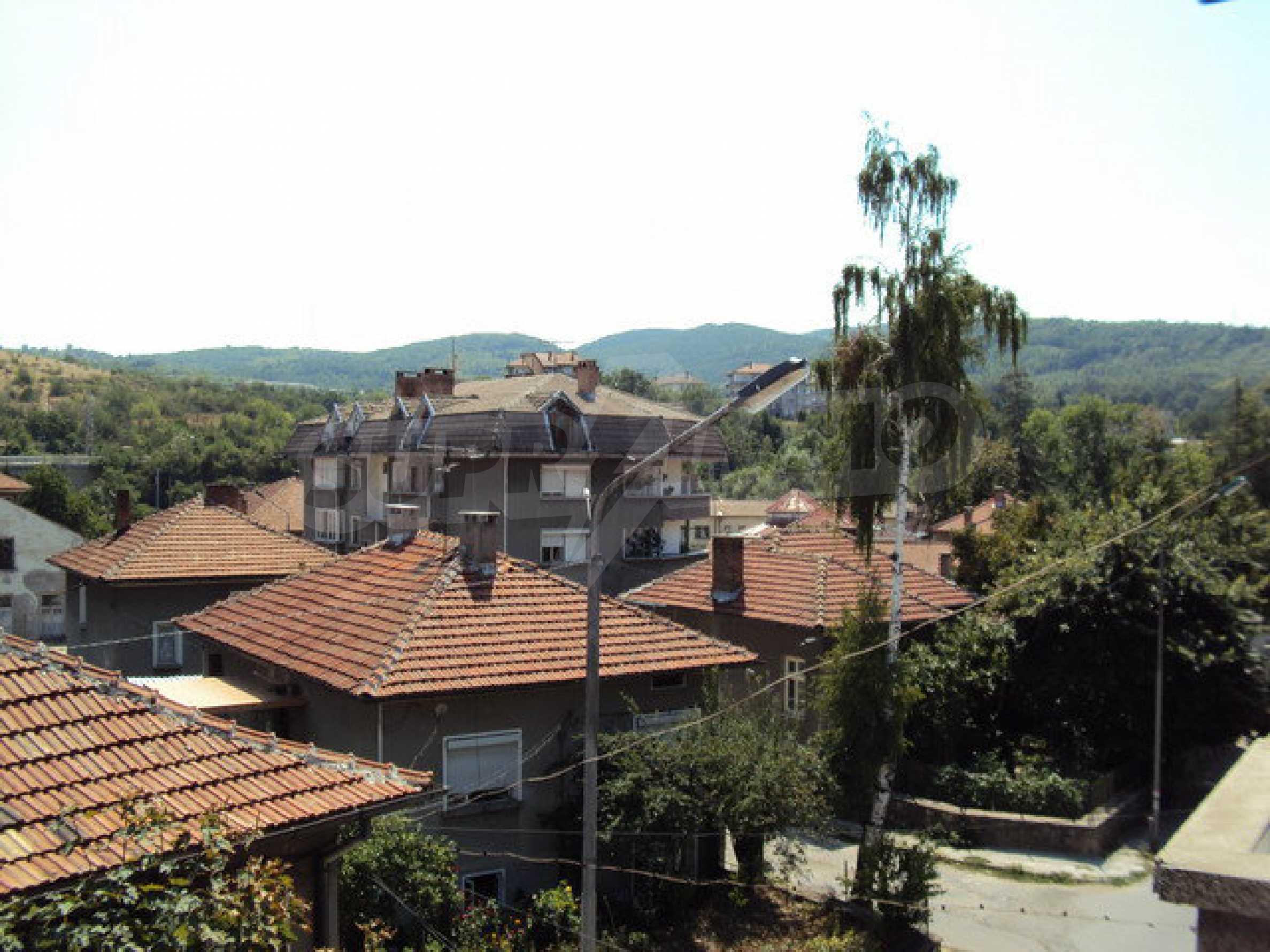 Spacious house with a yard, garage and additional building Dryanovo 22