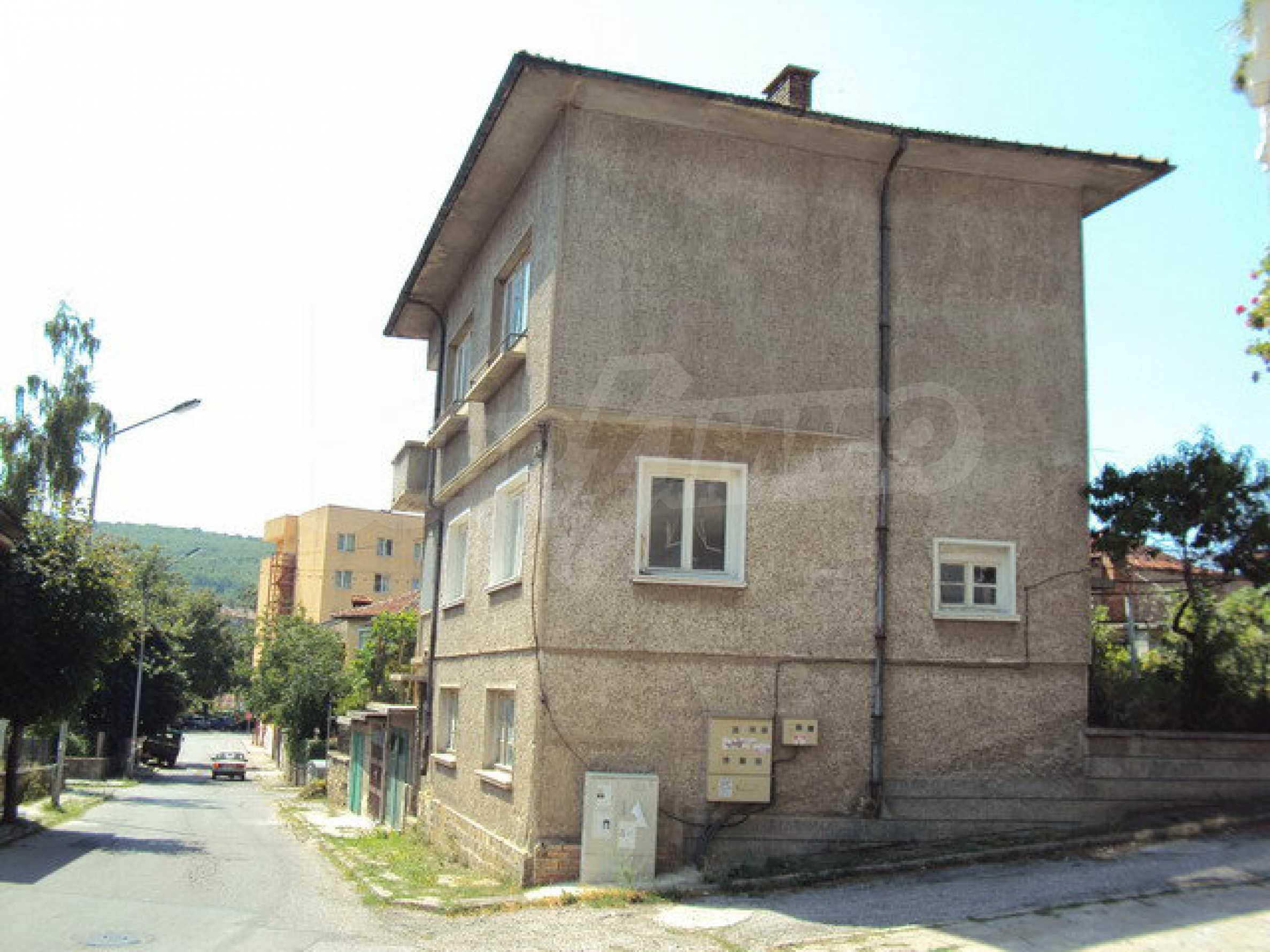 Spacious house with a yard, garage and additional building Dryanovo 2