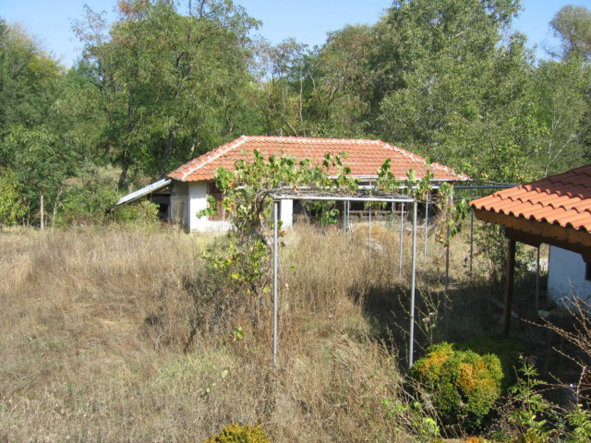 Renoviertes zweistöckiges Landhaus mit Garten in der Nähe von Elhovo 30