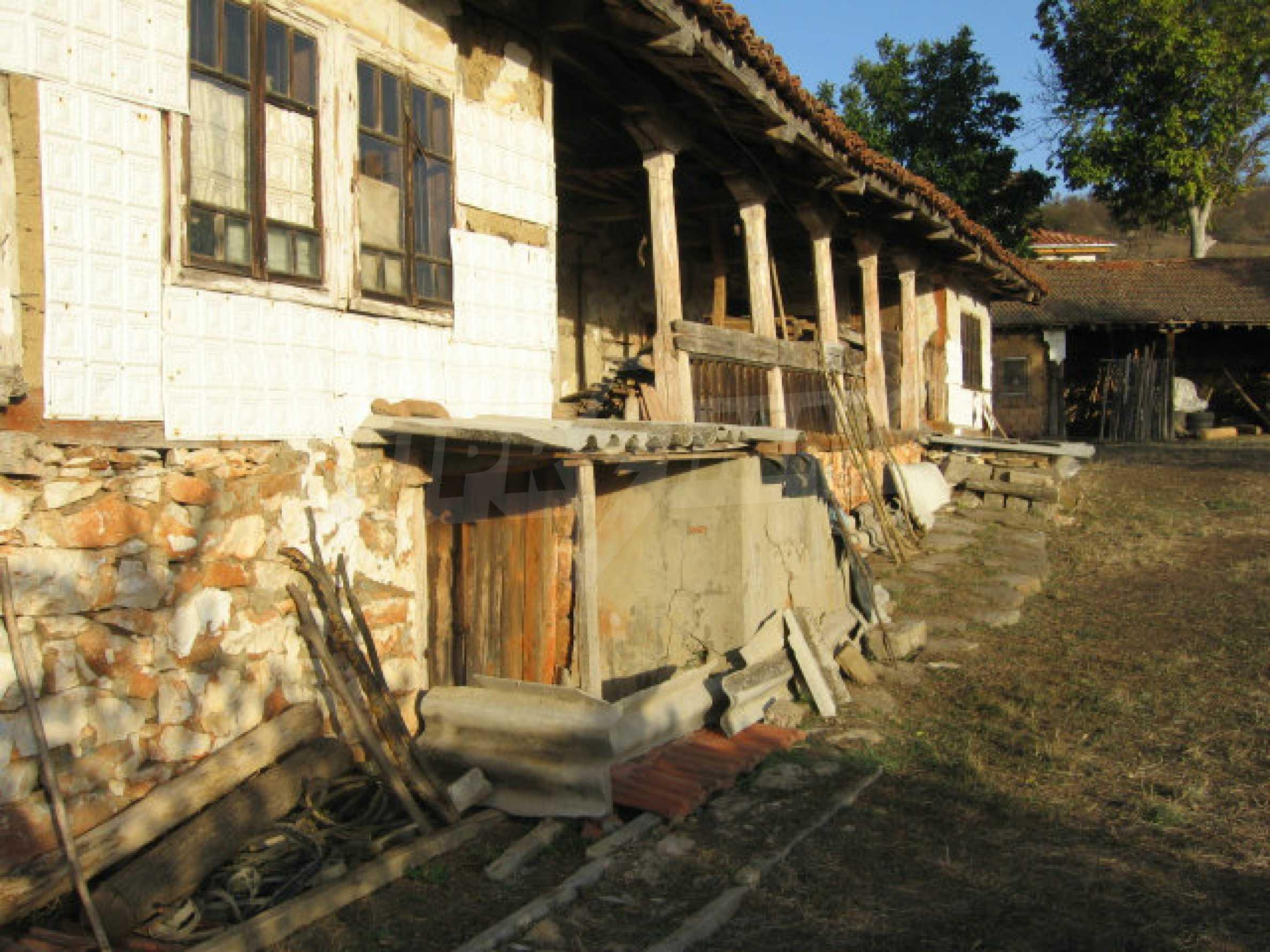 Authentisches 150 Jahre altes Haus in der Nähe von Elhovo und Tundzha River 2