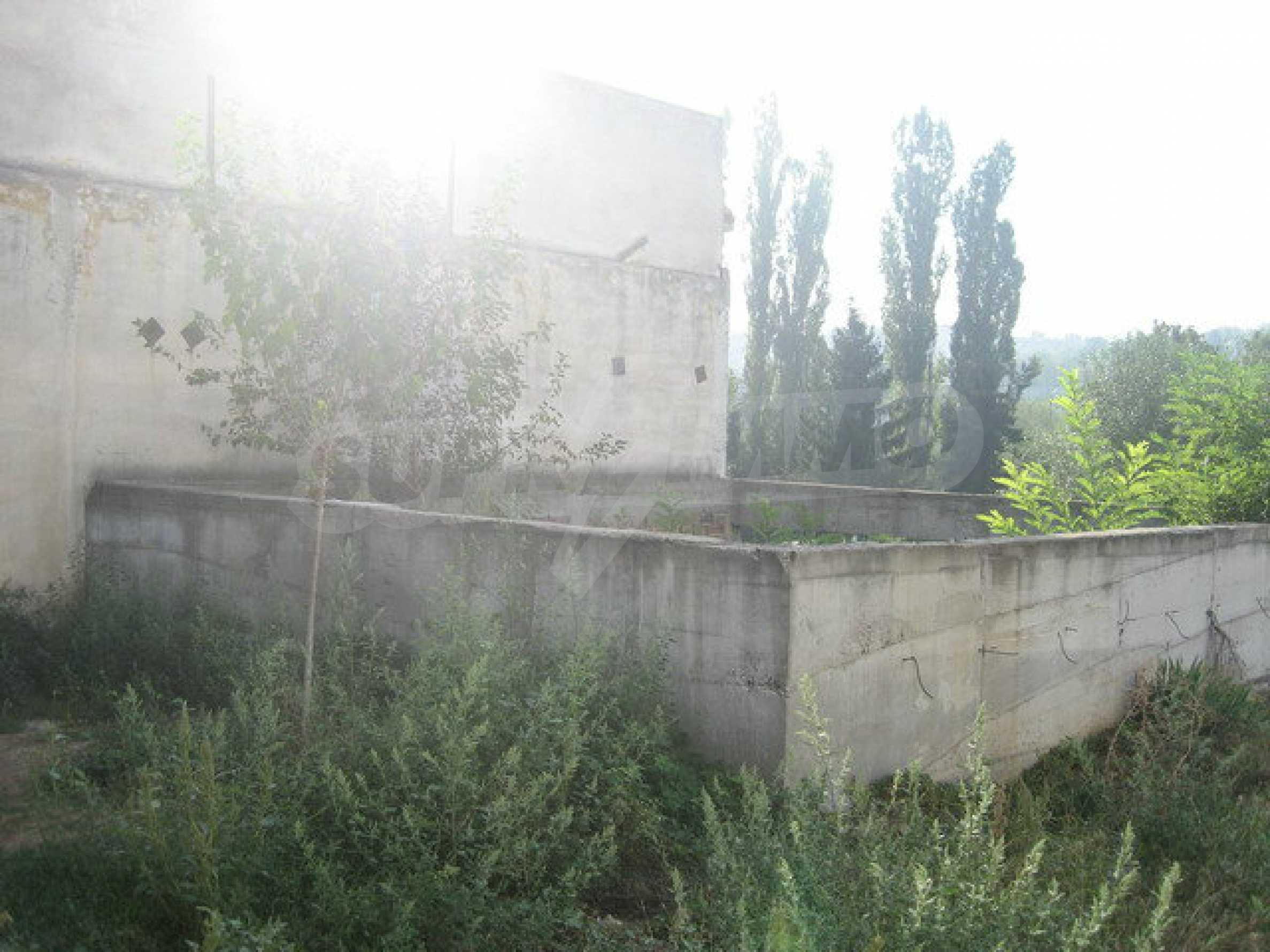 Plot of land with building in Veliko Tarnovo 13