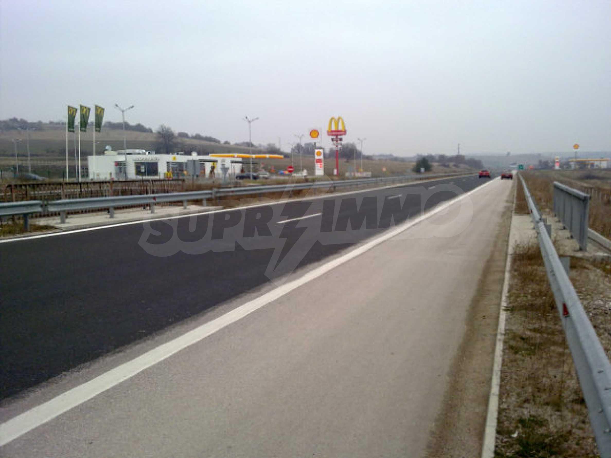 Land for sale facing Trakiya highway