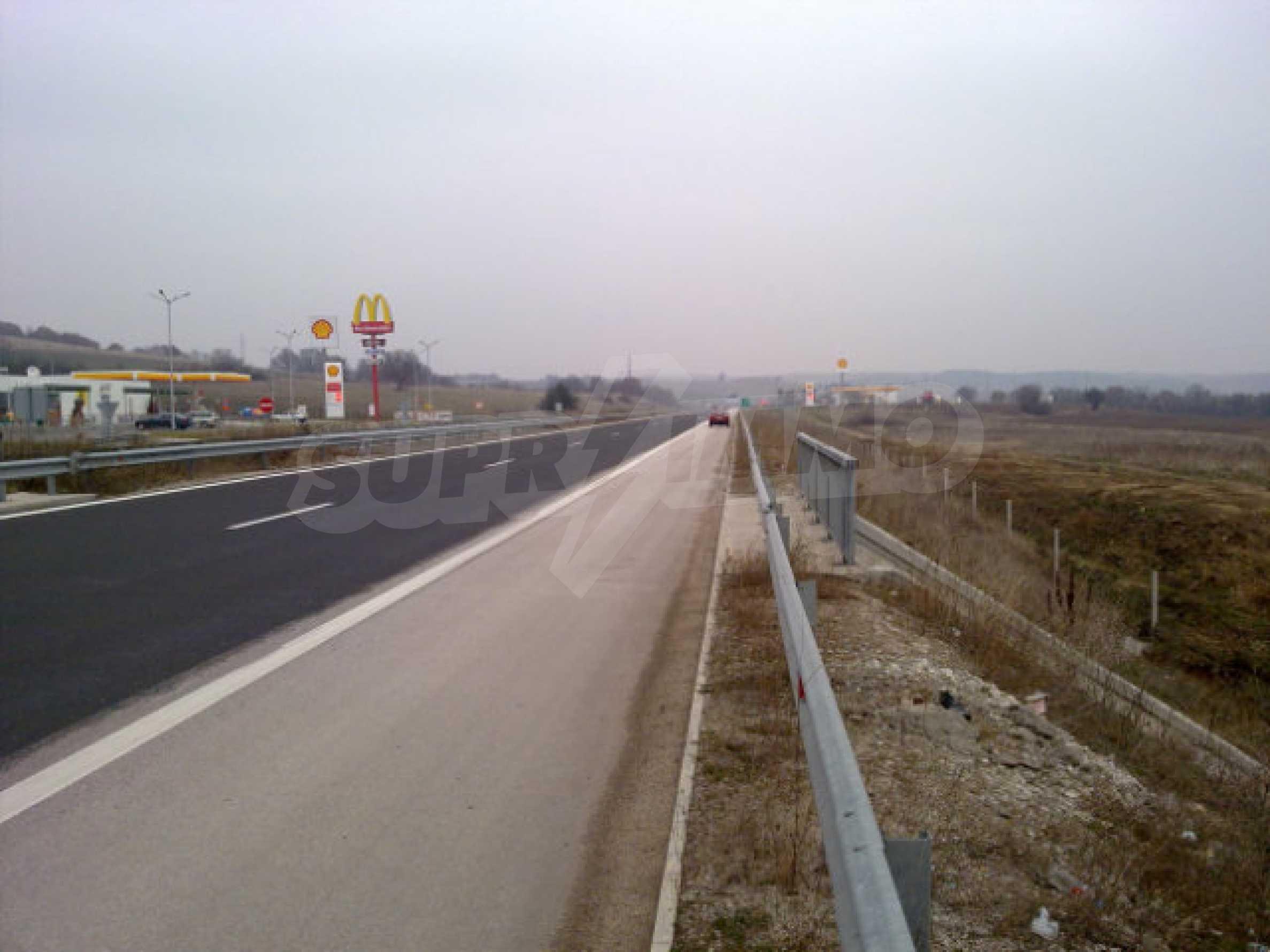 Land for sale facing Trakiya highway 1