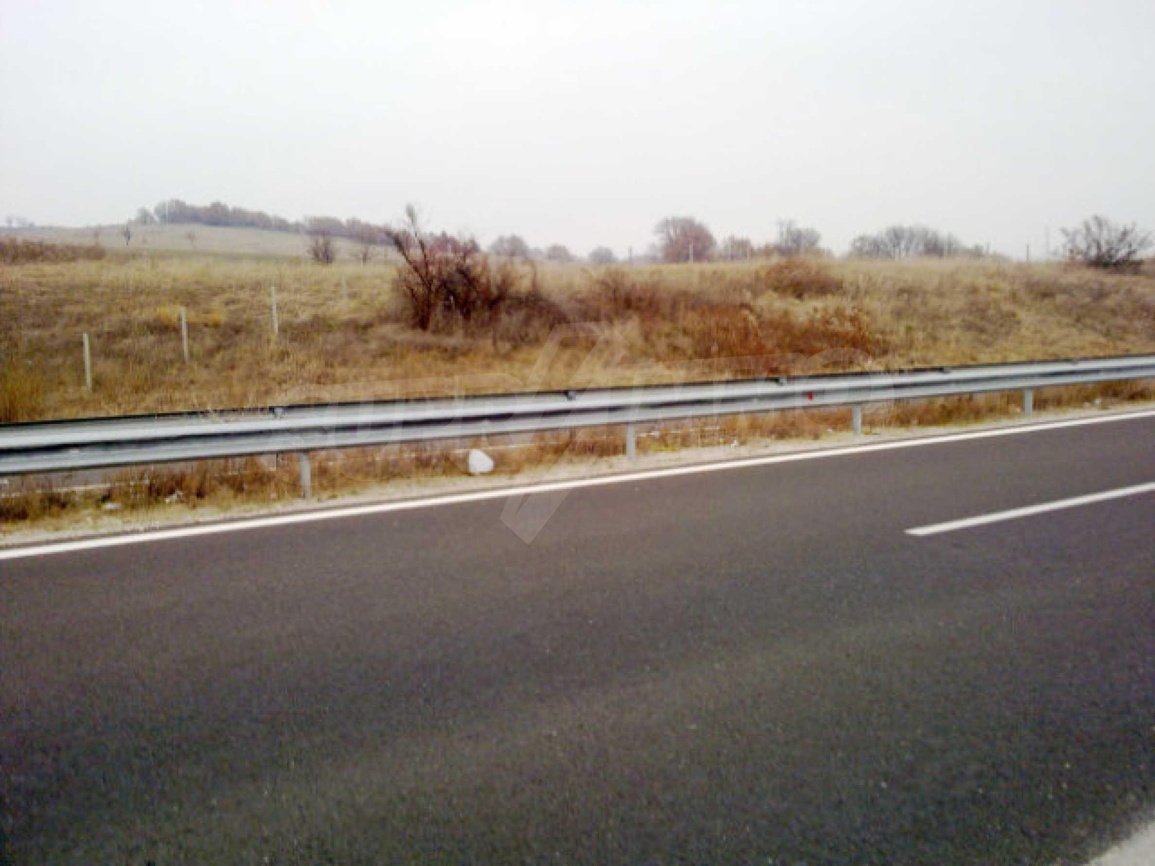 Land for sale facing Trakiya highway 2