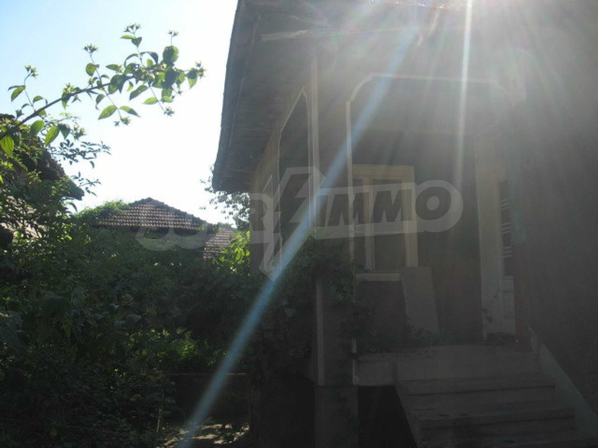 Кирпичный дом в деревне недалеко от Велико Тырново 9