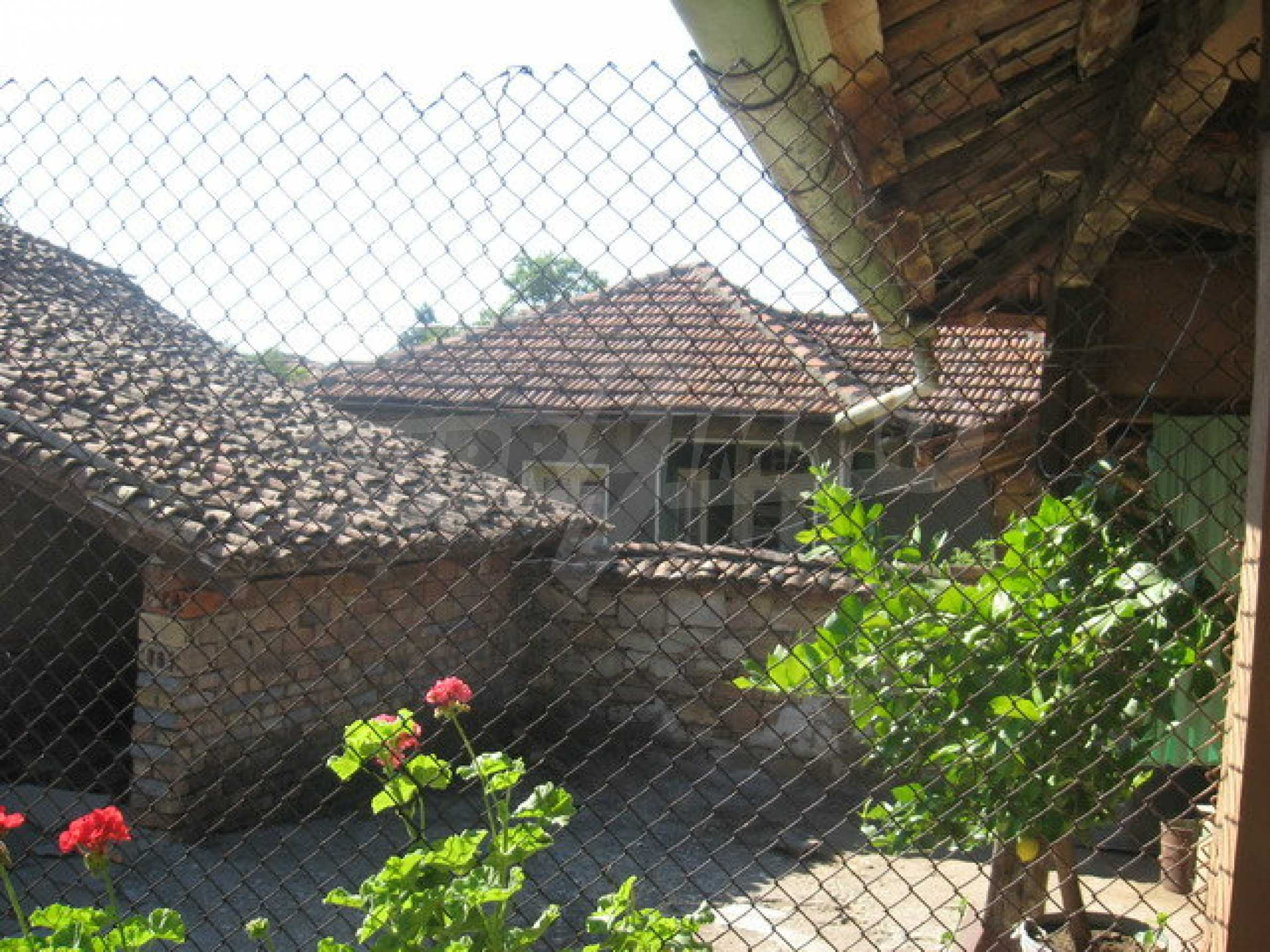 Кирпичный дом в деревне недалеко от Велико Тырново 12