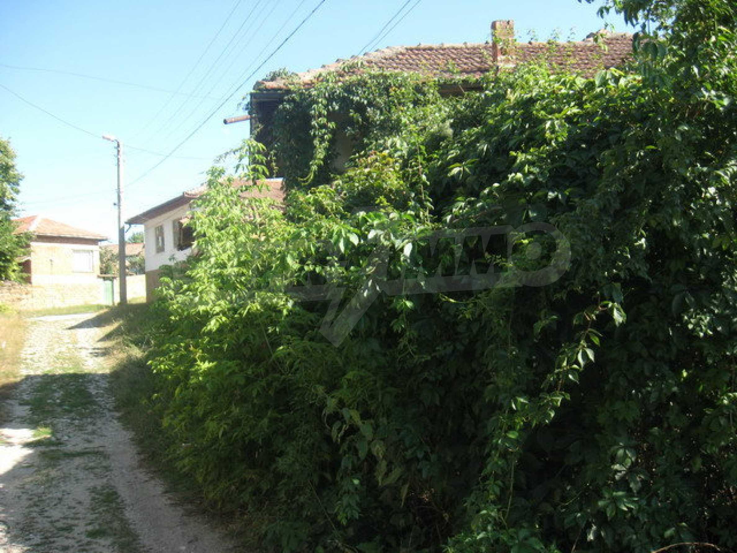 Кирпичный дом в деревне недалеко от Велико Тырново 13