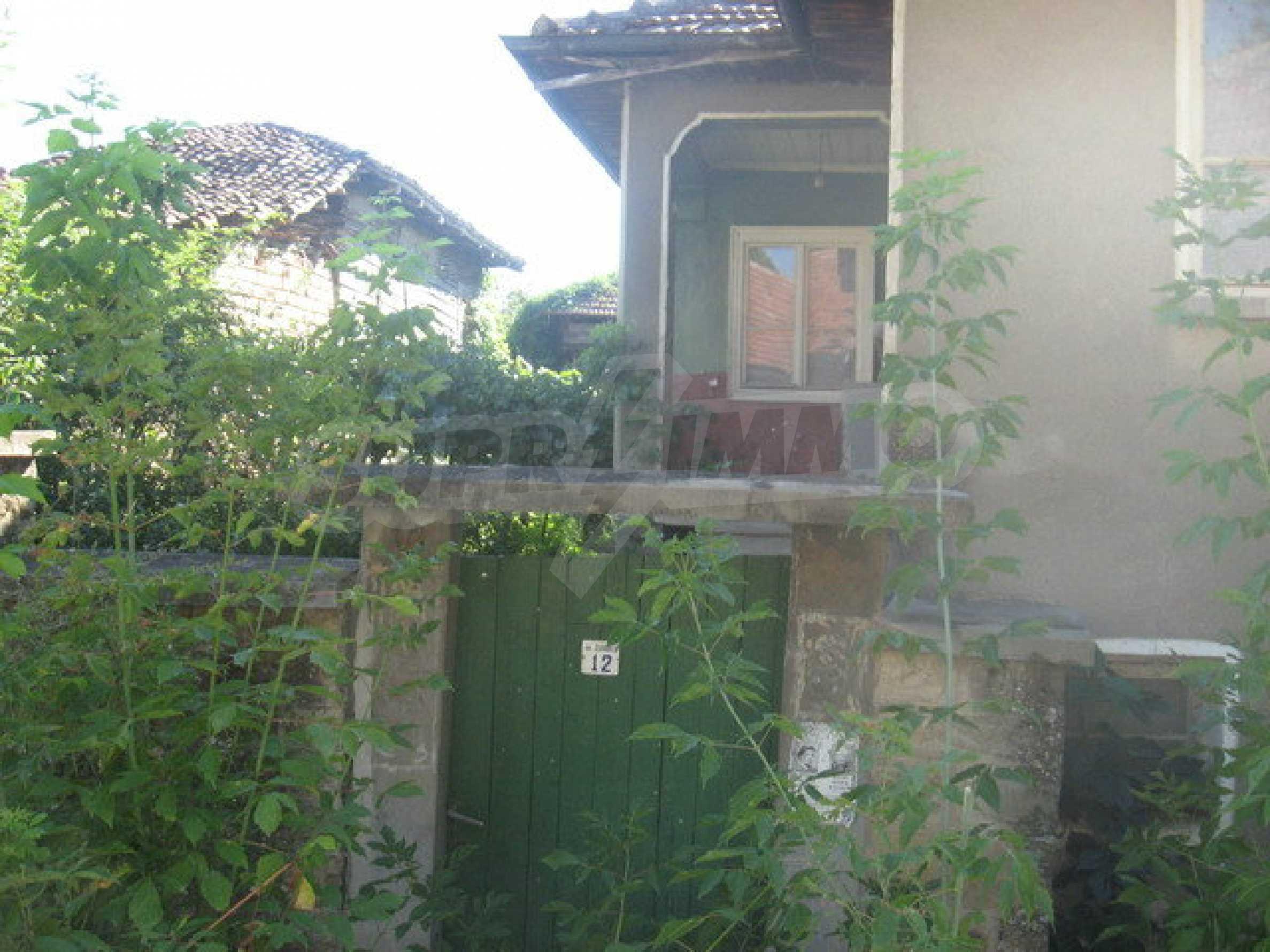 Тухлена къща в село близо до Велико Търново 1